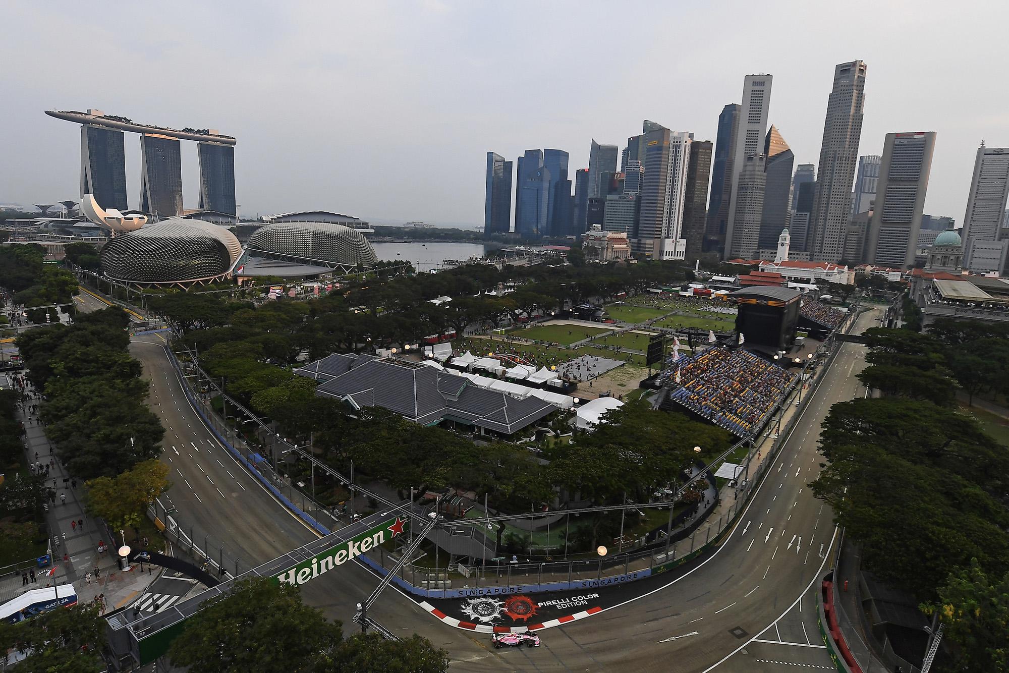 2018 View over Singapore Marina Bay circuit