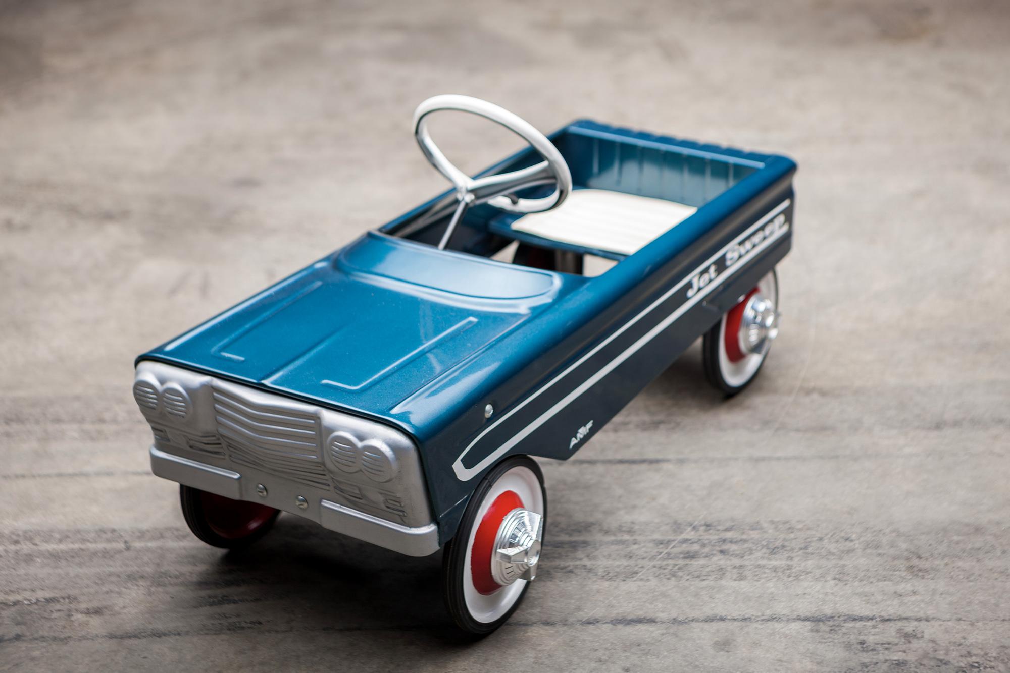 Jet Sweep pedal car