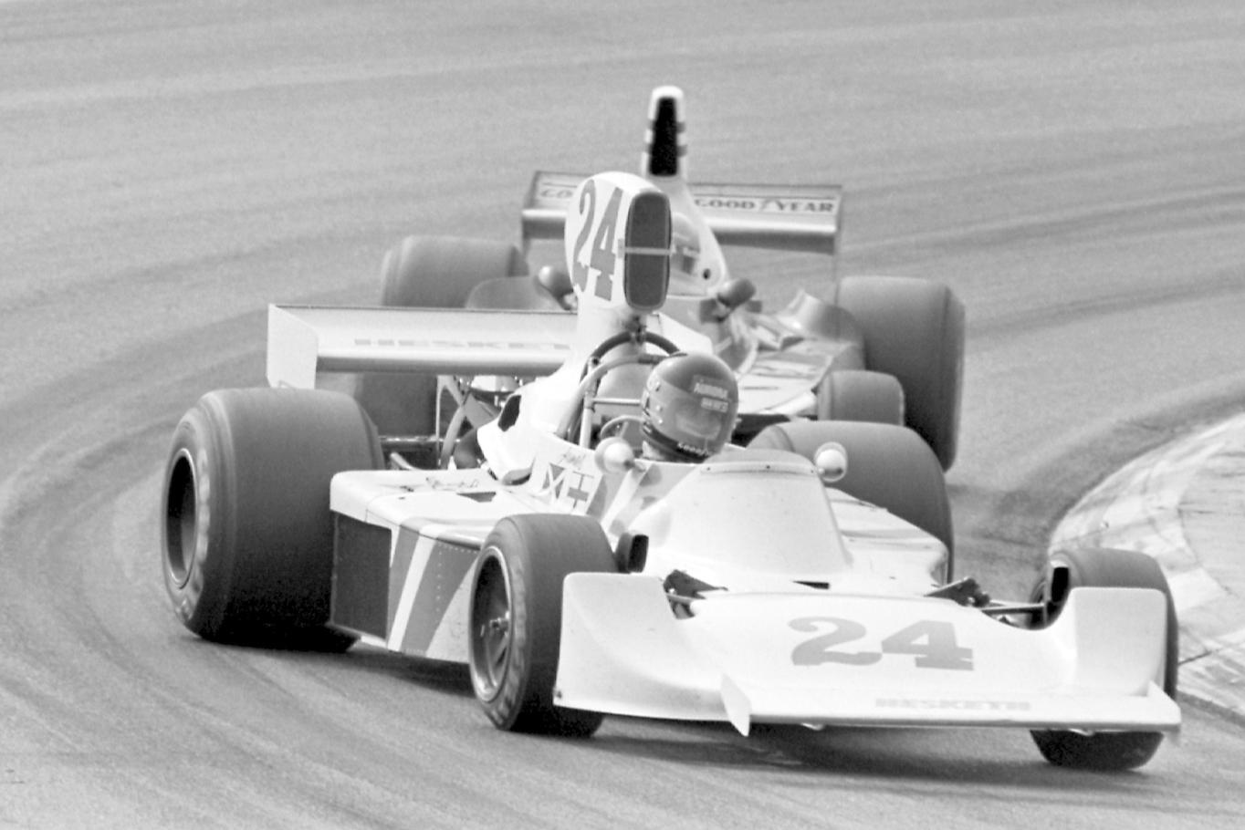 James Hunt leads Niki LAuda in the 1975 Dutch Grand Prix at Zandvoort
