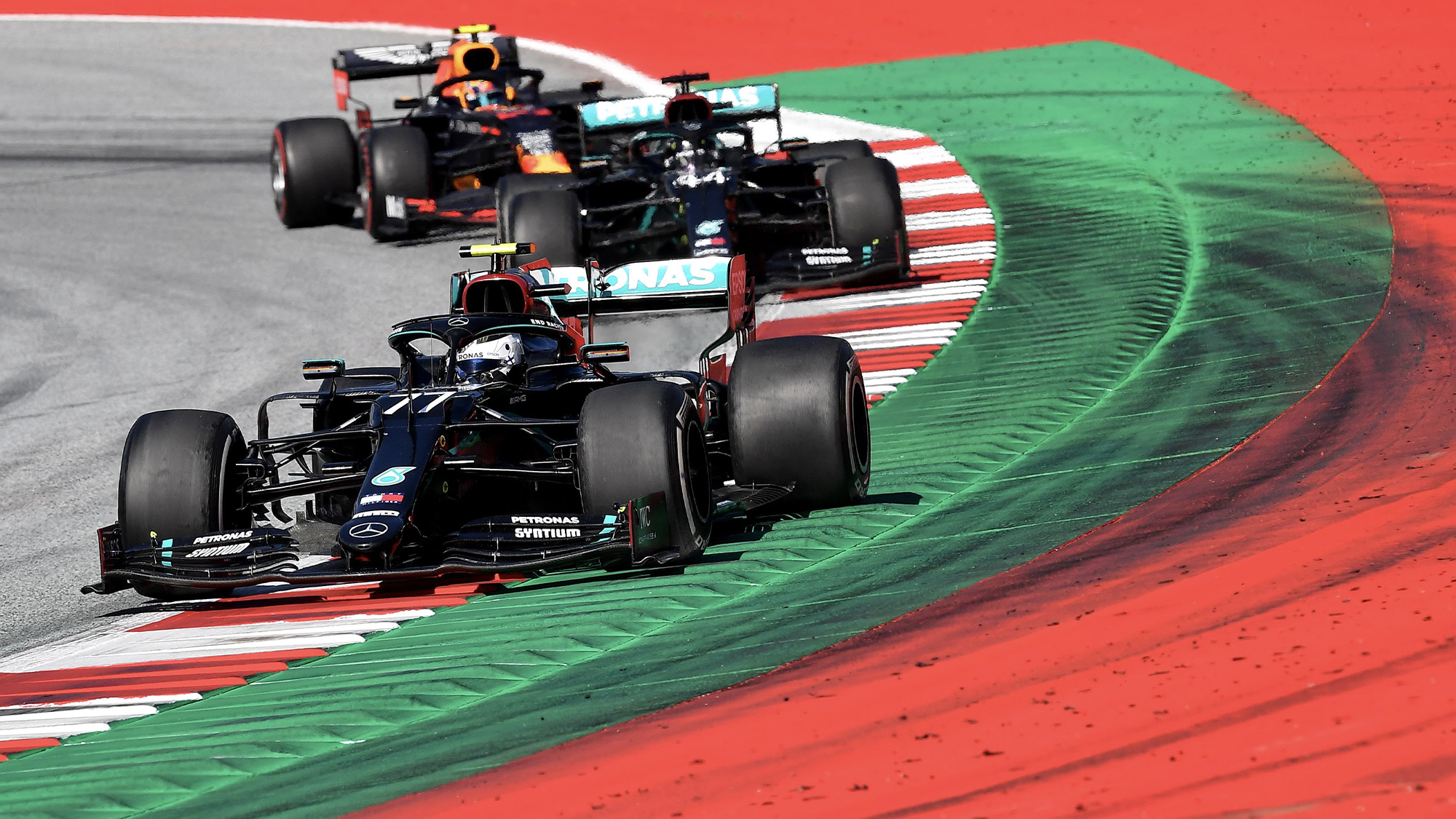 Valtteri Bottas leads Lewis Hamilton and ALex Albon in the 2020 F1 Austrian Grand Prix