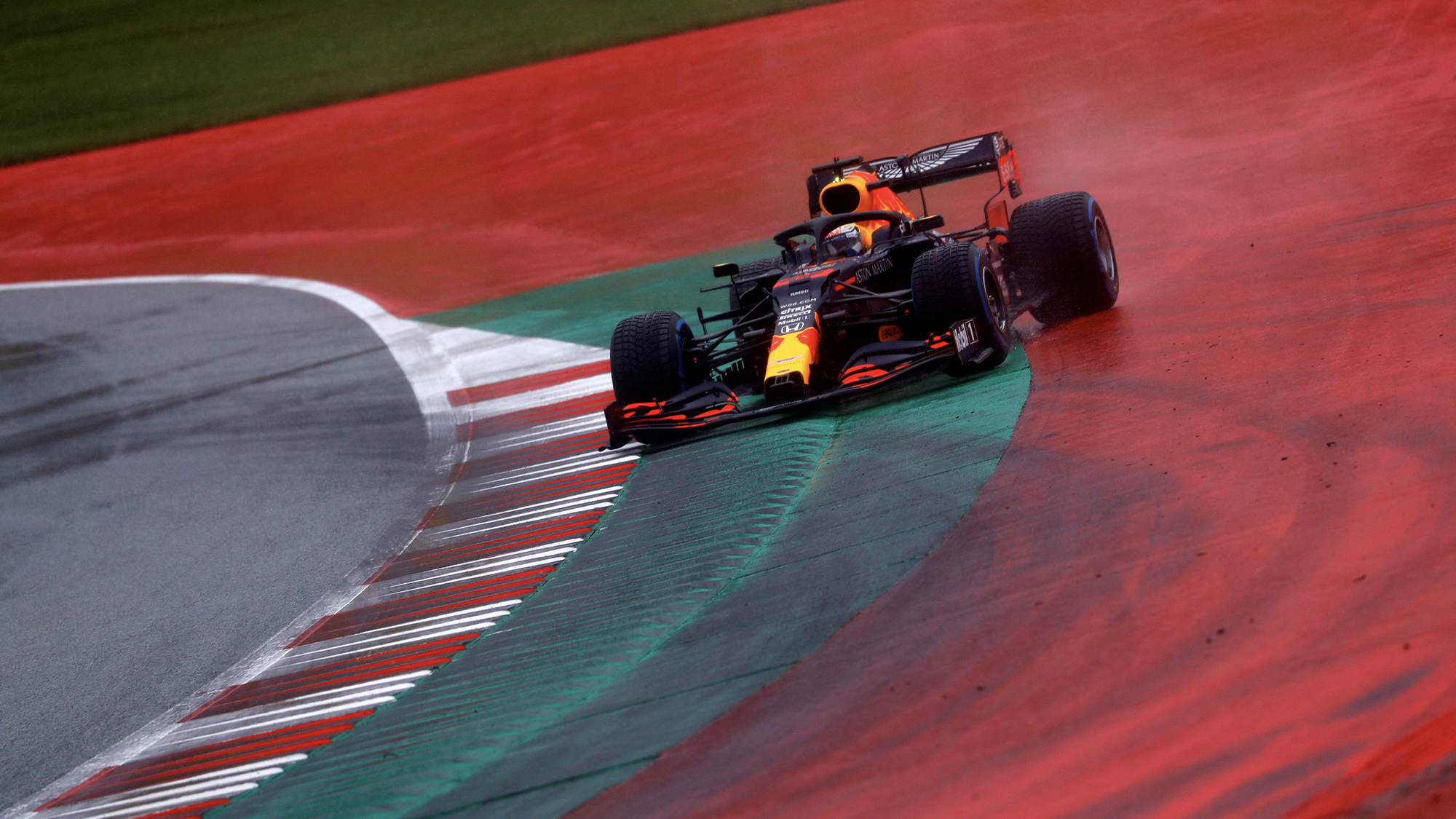 Max Verstappen goes off during qualifying for the 2020 F1 Styrian Grand Prix at the red Bull ring