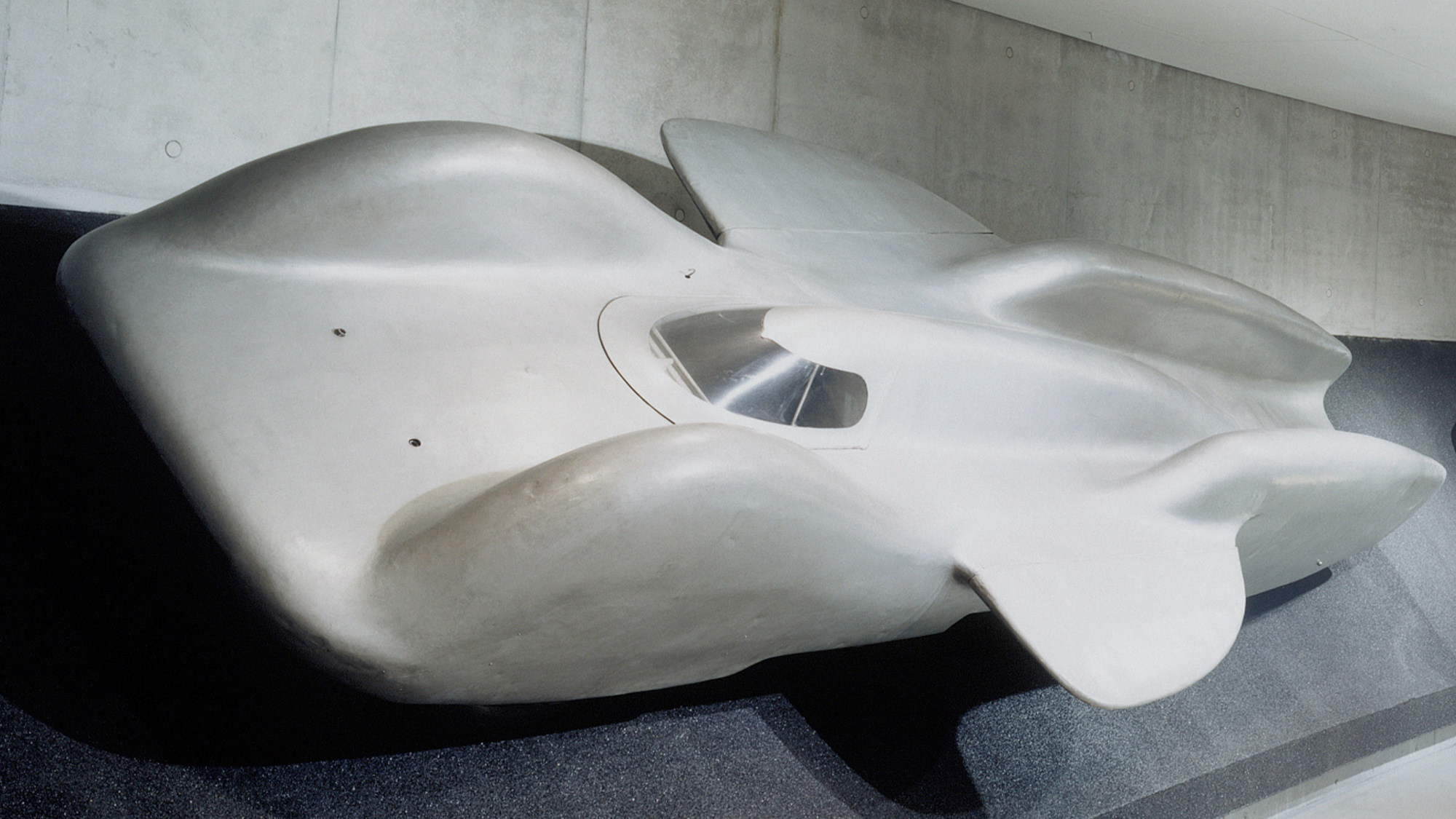 The fatal flaw in mythical Mercedes T 80 land speed record car