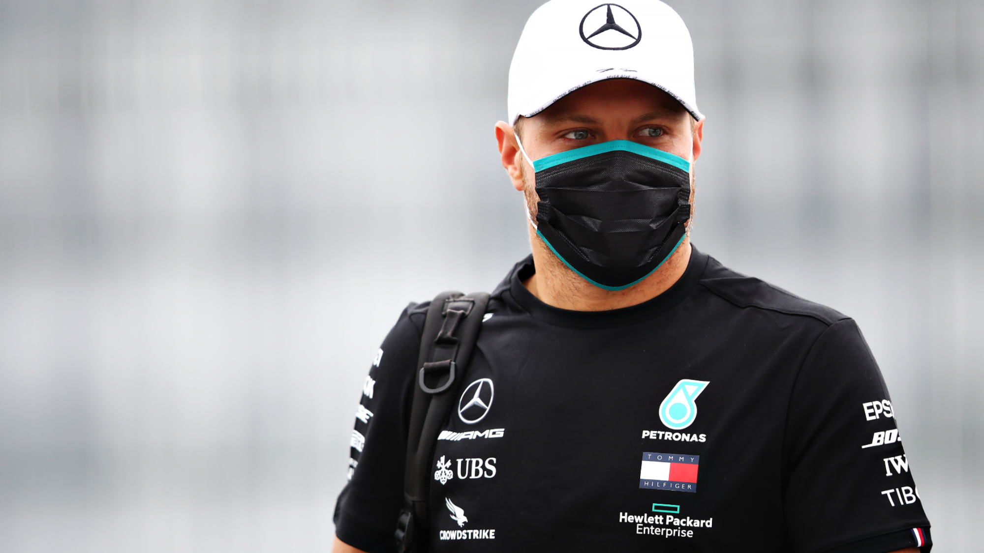 Valtteri Bottas signs new one-year Mercedes deal for 2021