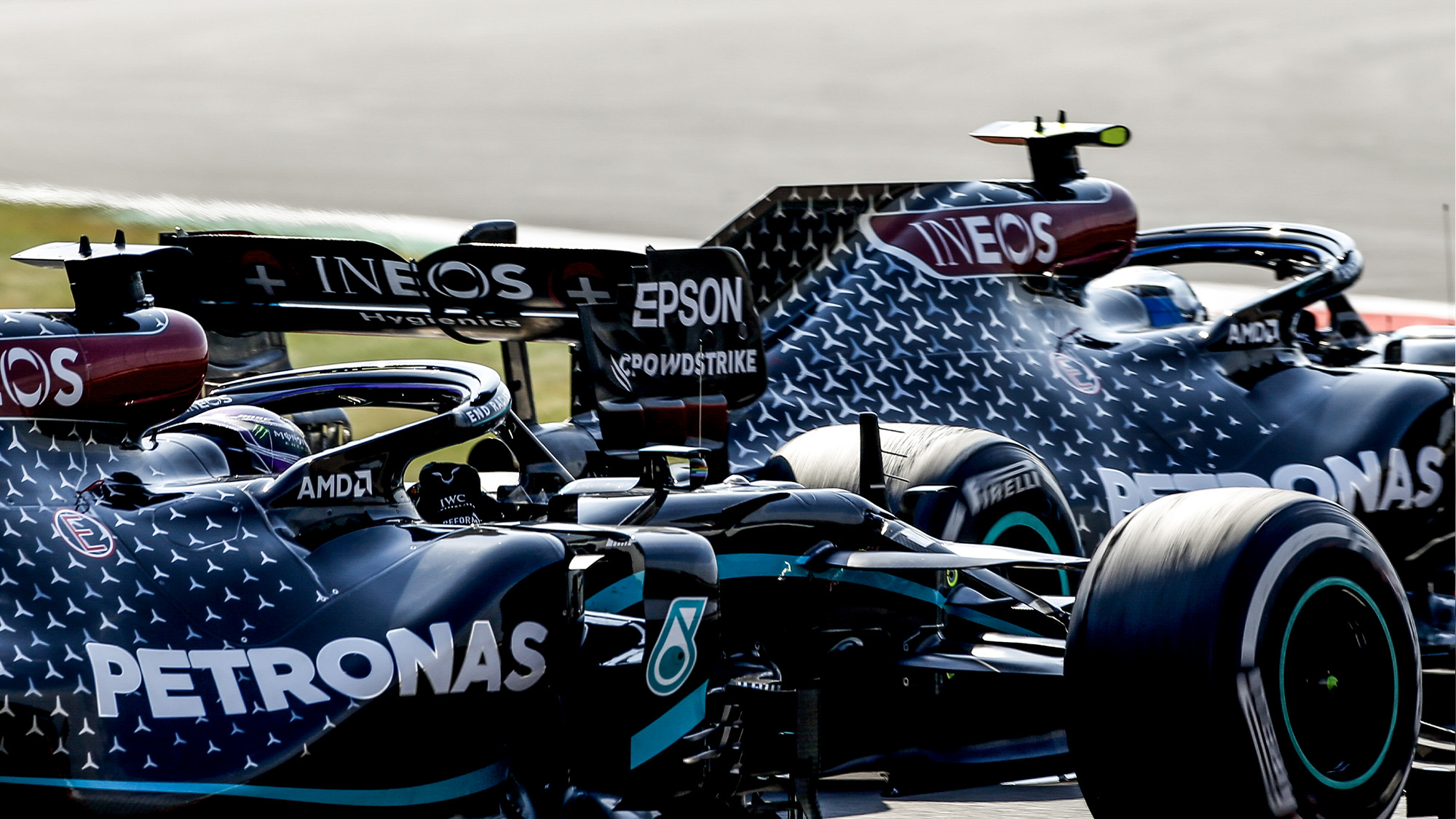 Lewis Hamilton moves to overtake Valtteri Bottas at the end of the 2020 F1 70th Anniversary Grand Prix