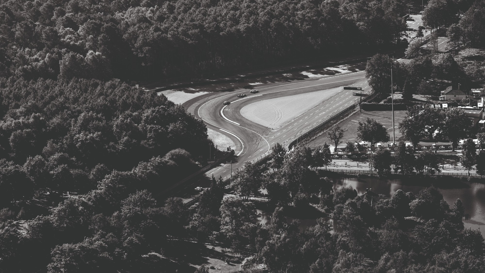 Overhead view of the second chicane on the Mulsanne Straight at Le Mans