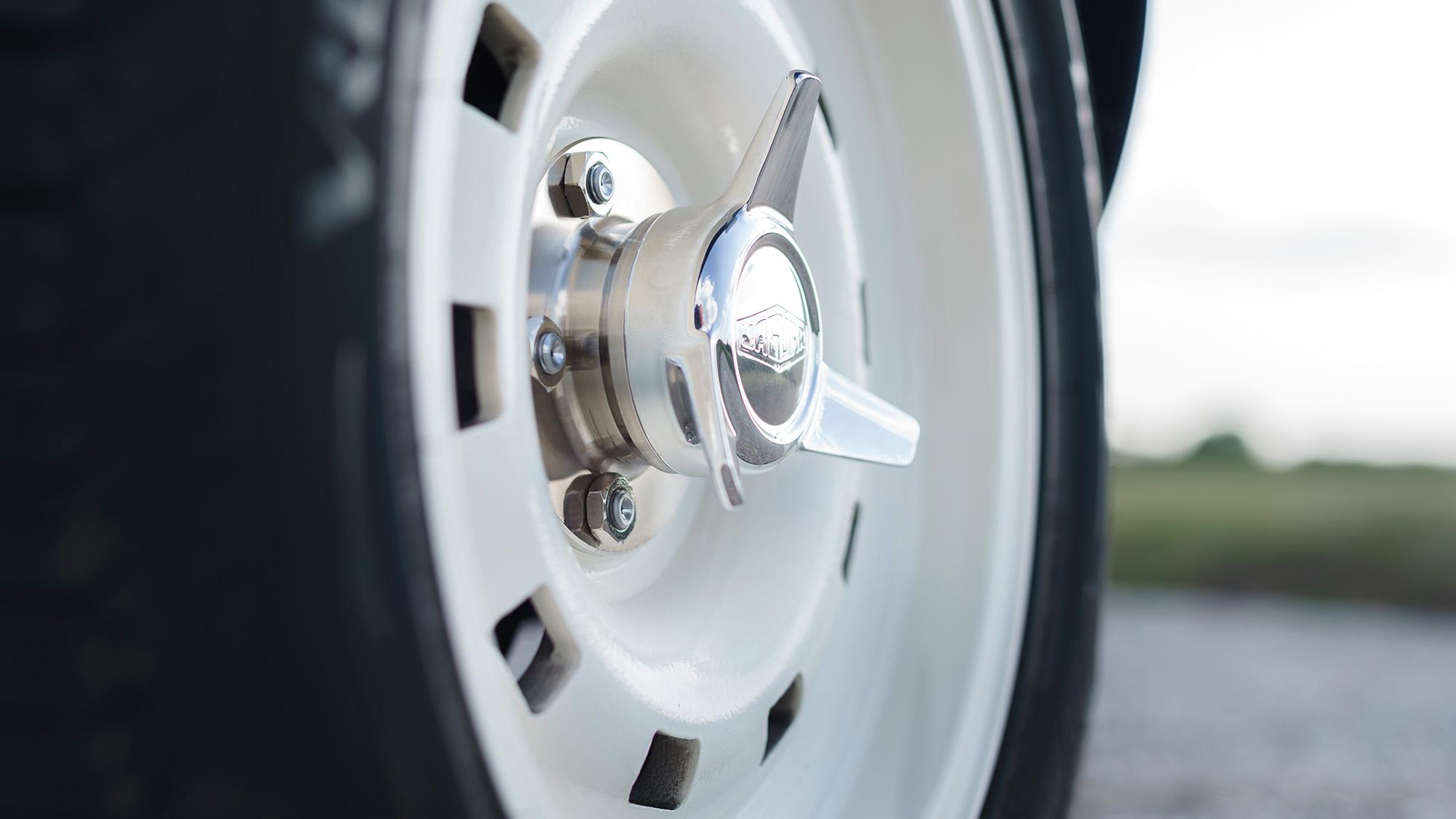 Wheel hub of the 2020 Eagle E-type Lightweight GT