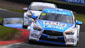 Sutton strikes twice in Scotland to make it a two-horse race for the BTCC title