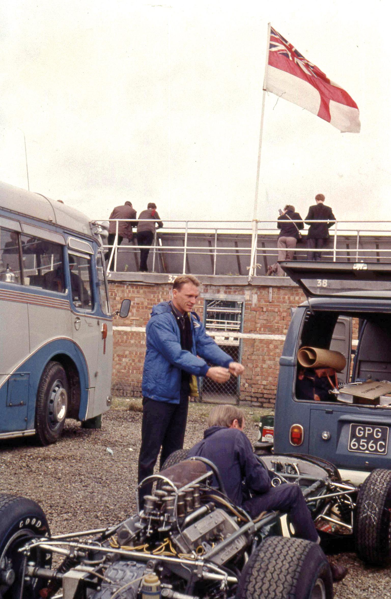 D-Gurney-Brabham-Climax-British-GP-1965b