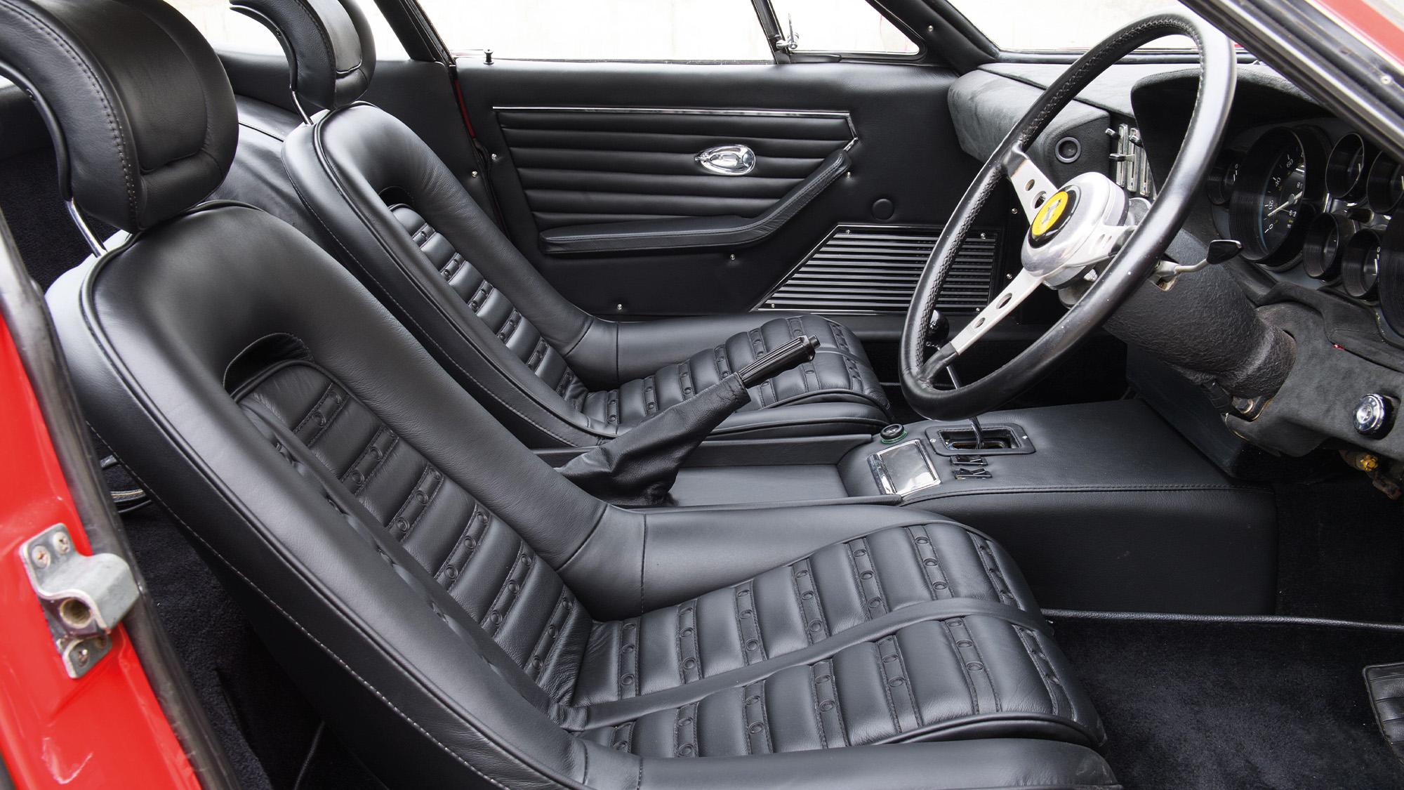 Ferrari Daytona interior