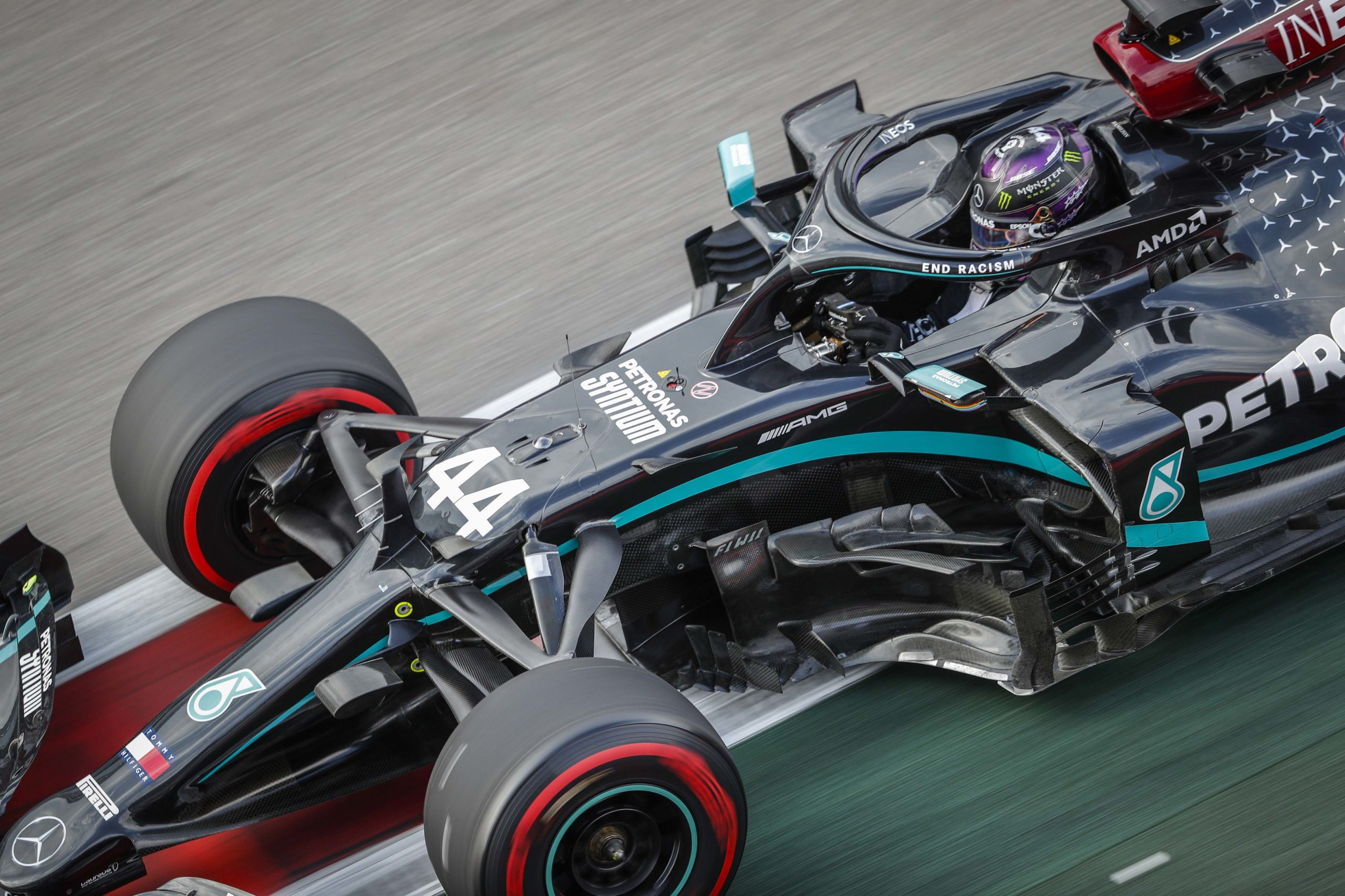 Lewis-Hamilton-during-qualifying-for-the-2020-F1-Russian-Grand-Prix