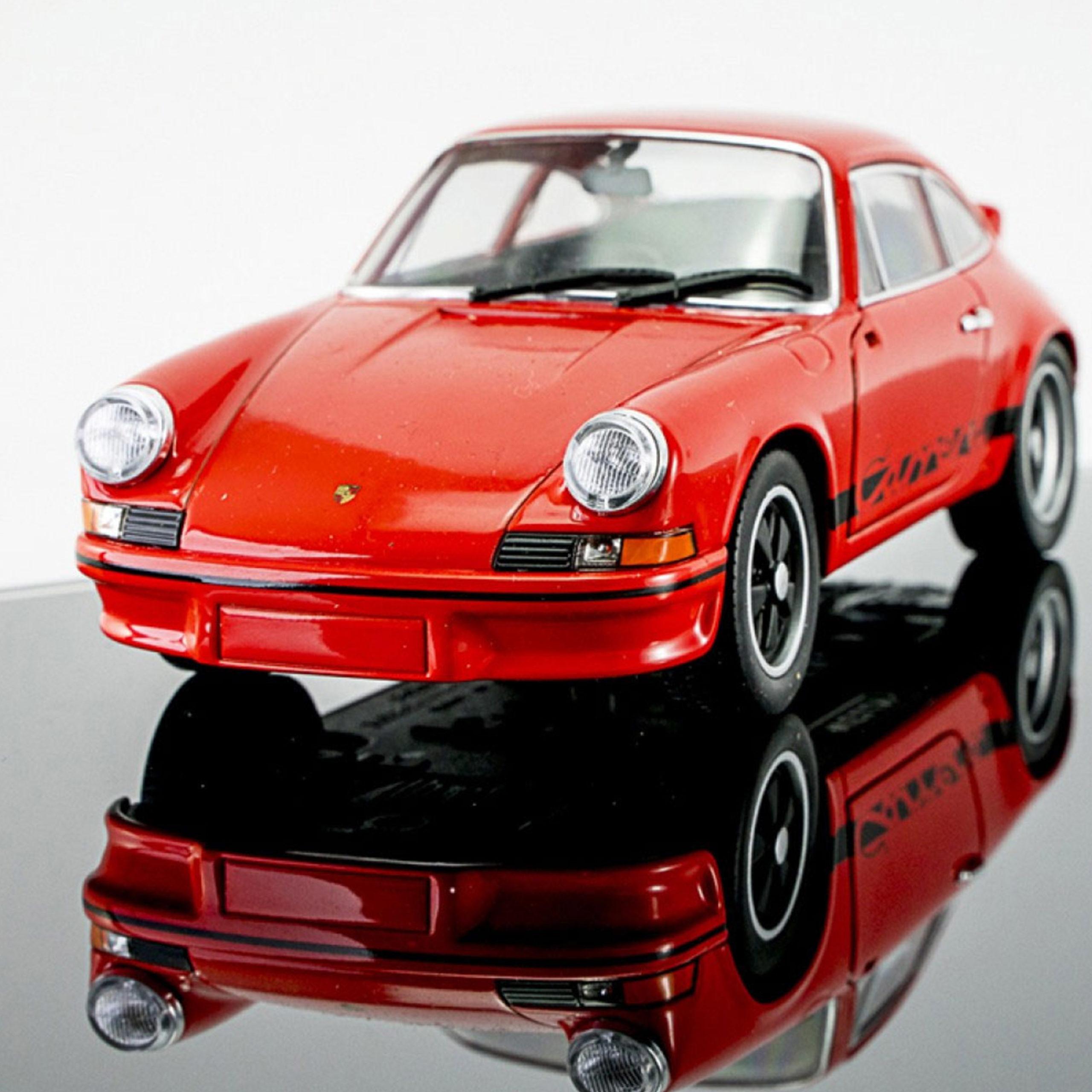 Porsche-911-Carrera-RS-model-from-advent-calendar