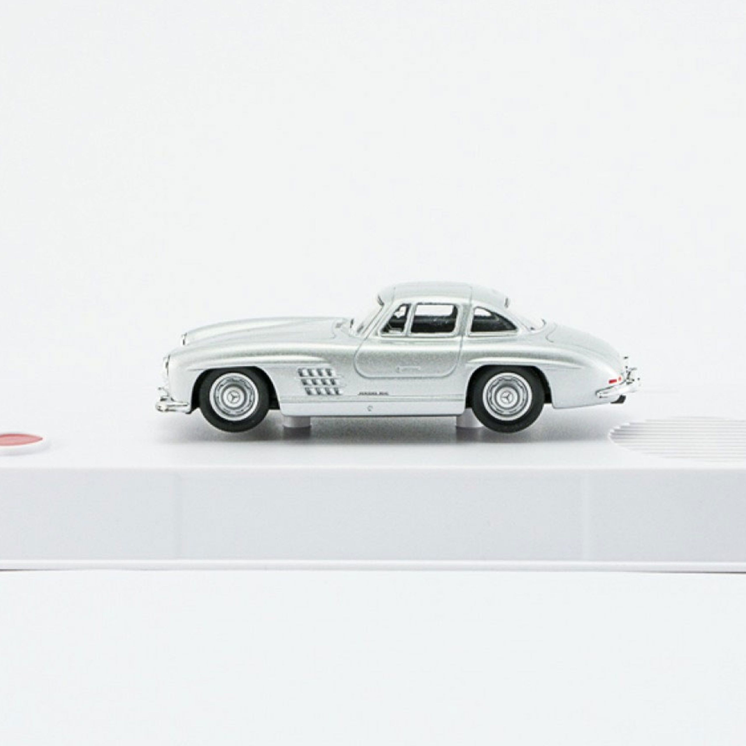 Mercedes-300-SL-model-from-advent-calendar