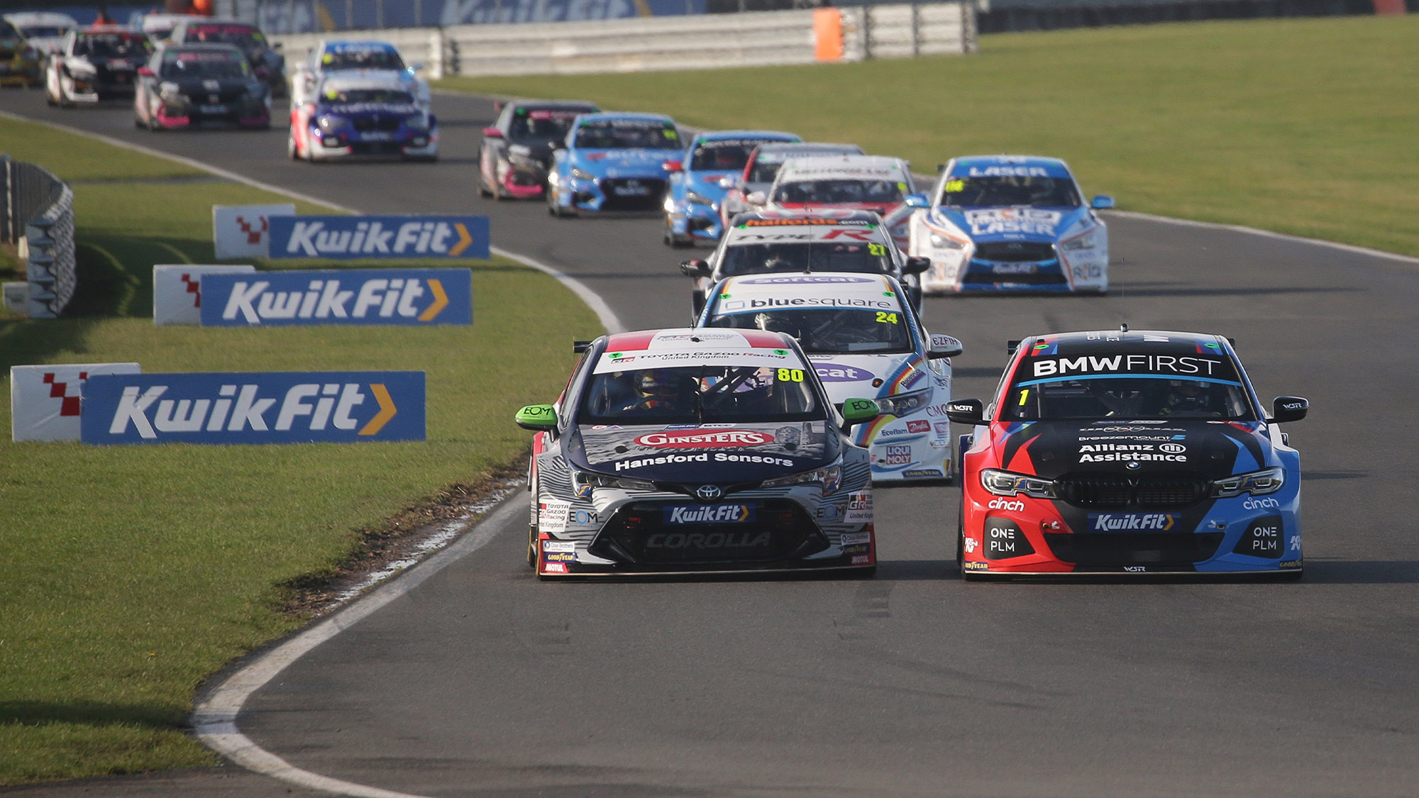 Colin Turkington defends from Tom Ingram at Snetterton in the 2020 BTCC round