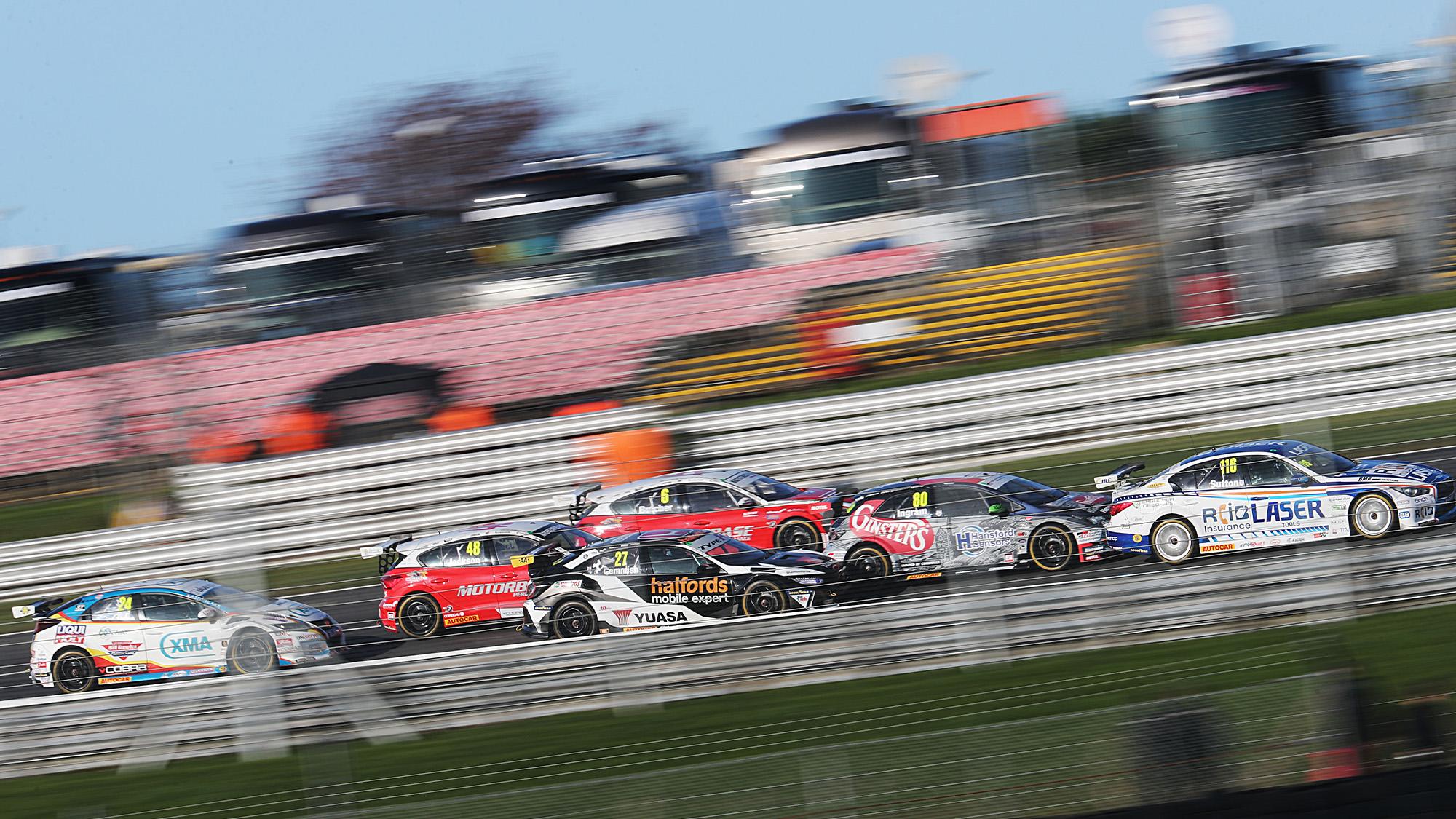 Start of Race 2 at the 2020 Brands Hatch Indy BTCC round