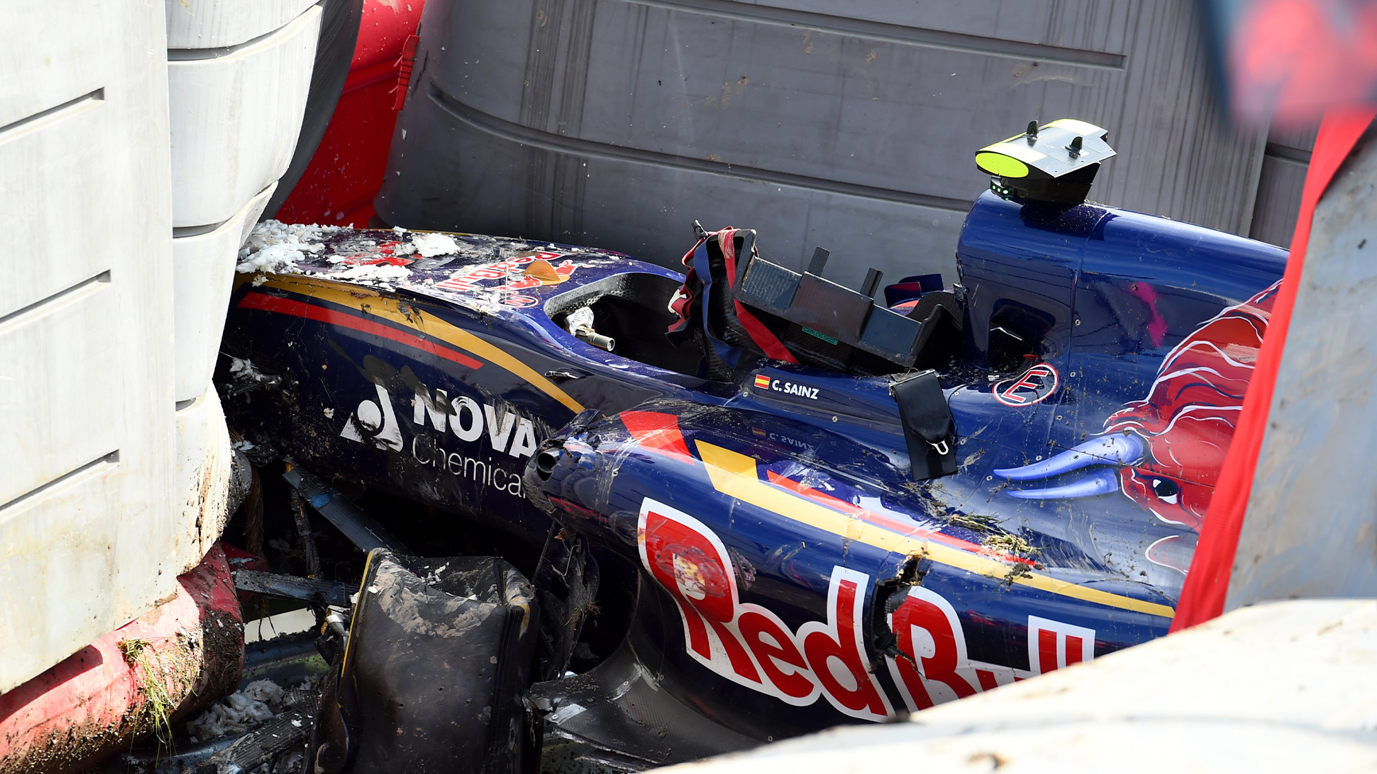 Wreckage of Carlos Sainz's car after crashing at the 2015 F1 Russian Grand Prix