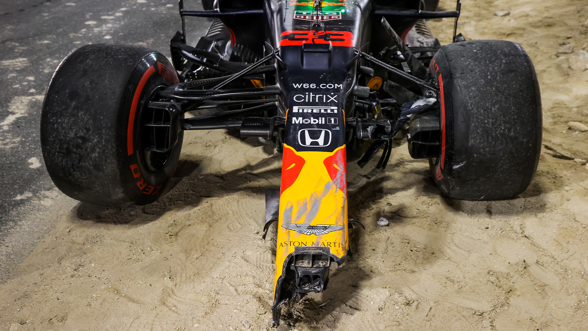 Verstappen's damaged Red Bull after crashing with at the Sakhir Grand Prix
