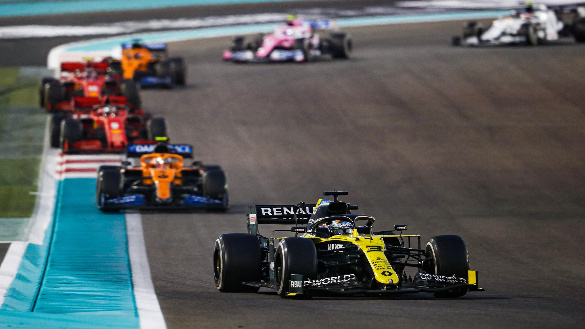 Daniel Ricciardo leads Lando Norris at the 2020 Abu Dhabi Grand Prix