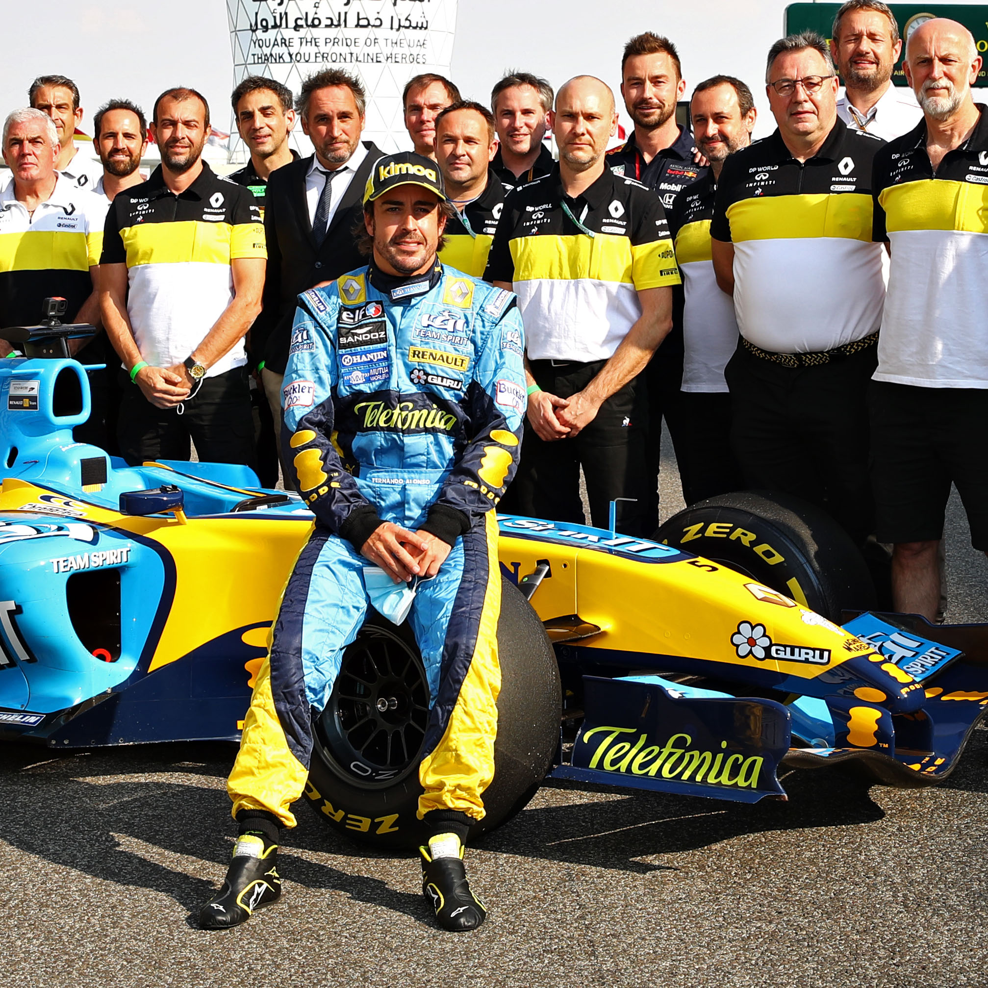 Fernando-Alonso-on-his-F1-title-winning-renault-R25-in-2020