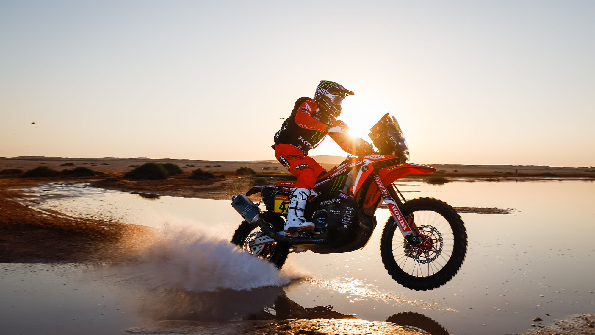 47 Benavides Kevin (arg), Honda, Monster Energy Honda Team 2021, Motul, Moto, Bike, action during the 9th stage of the Dakar 2021 between Neom and Neom, in Saudi Arabia on January 12, 2021