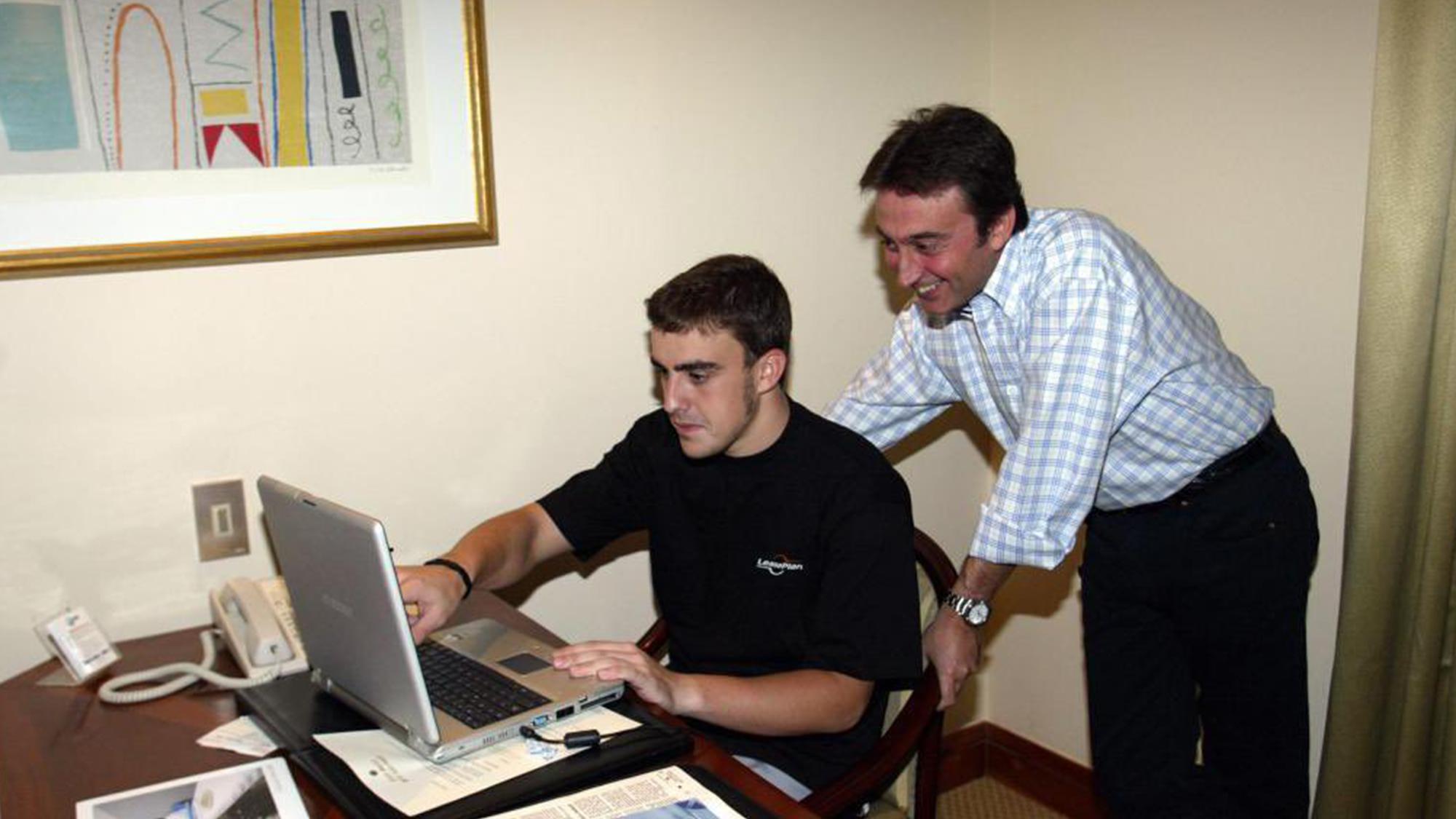 Adrian Campos con Fernando Alonso