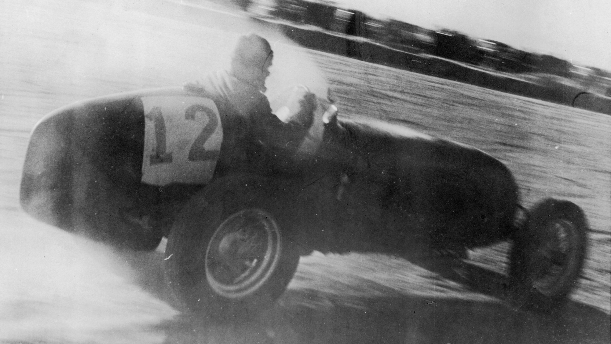 Grands prix on ice: when drivers headed north to race in the snow
