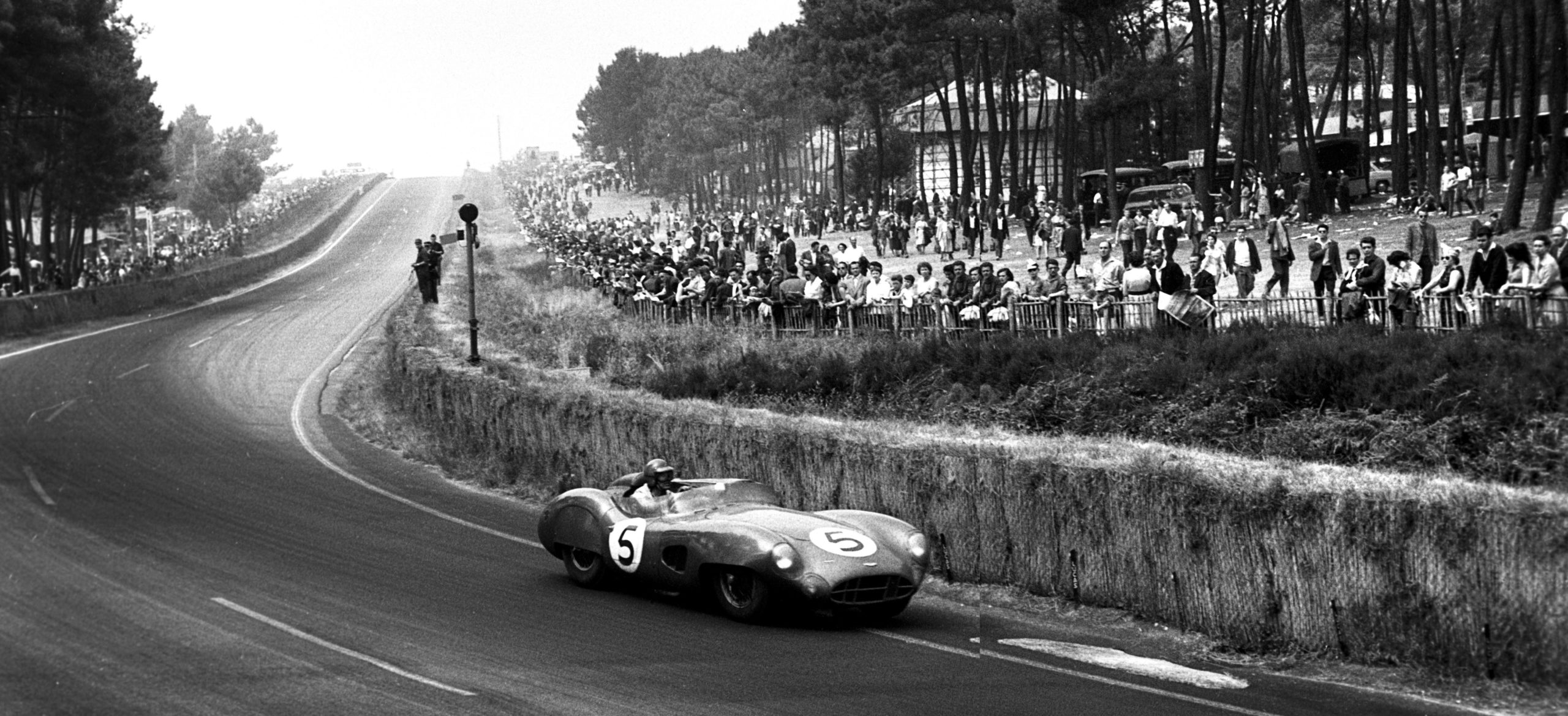 Carroll Shelby and Aston MArtin DBR1 at Le Mans in 1959