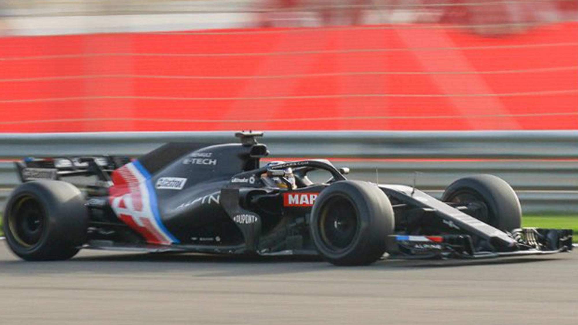 Pirelli 18in tyre test Alpine front