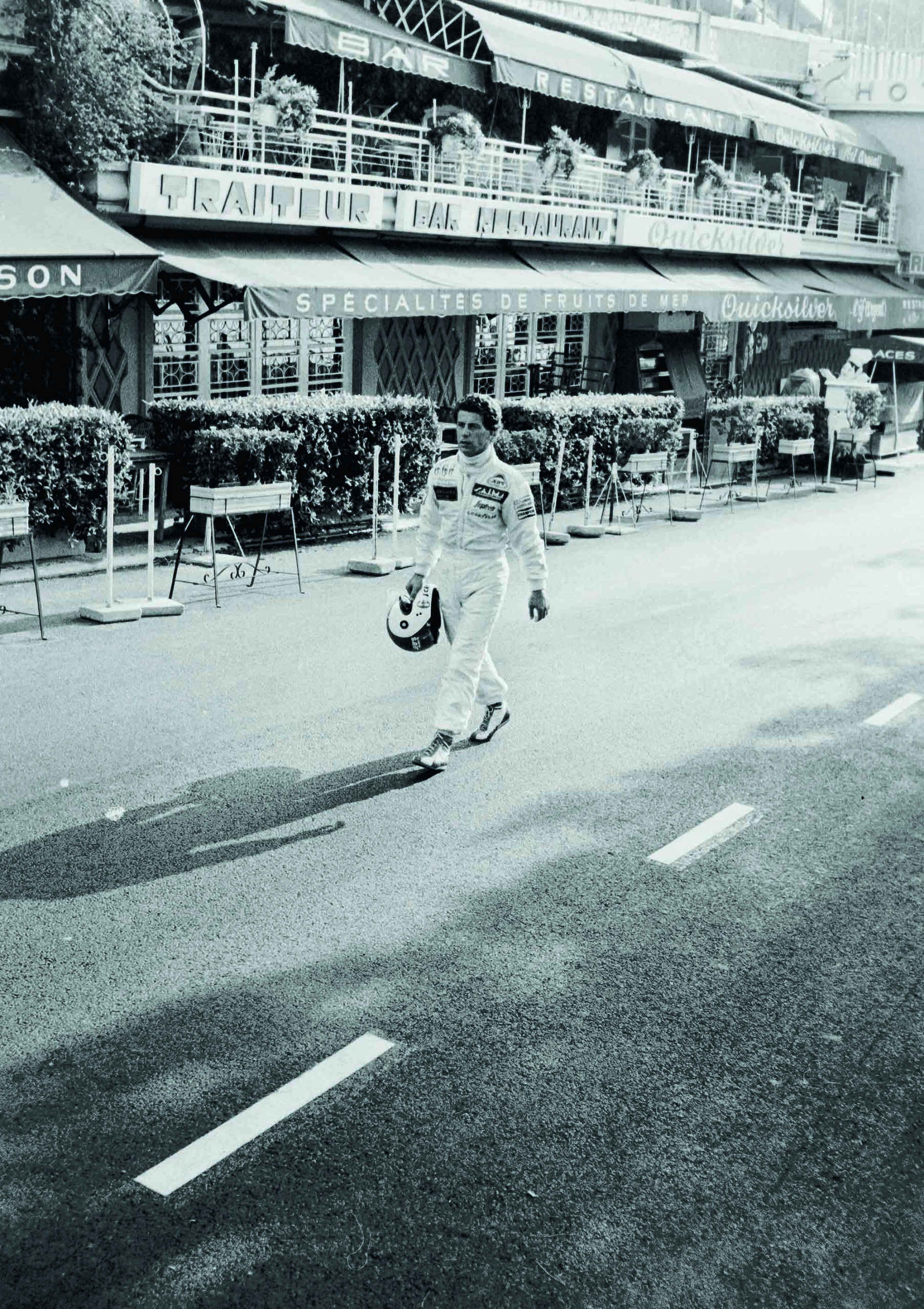 Johnny-Cecotto-walking-through-Monaco-during-the-1983-GP-weekend