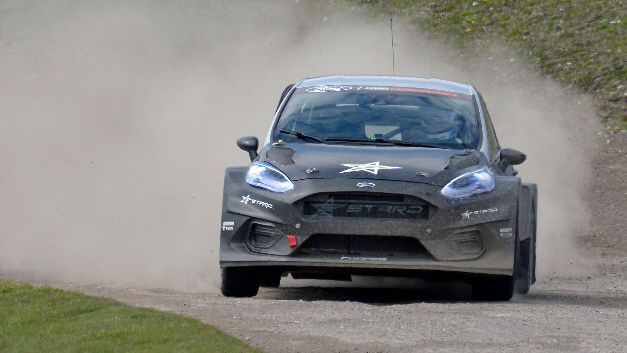 Sir Chris Hoy puts the Fiesta-bodied STARD electric rallycross car through its paces during the 5 Nations BRX test day at Lydden Hill