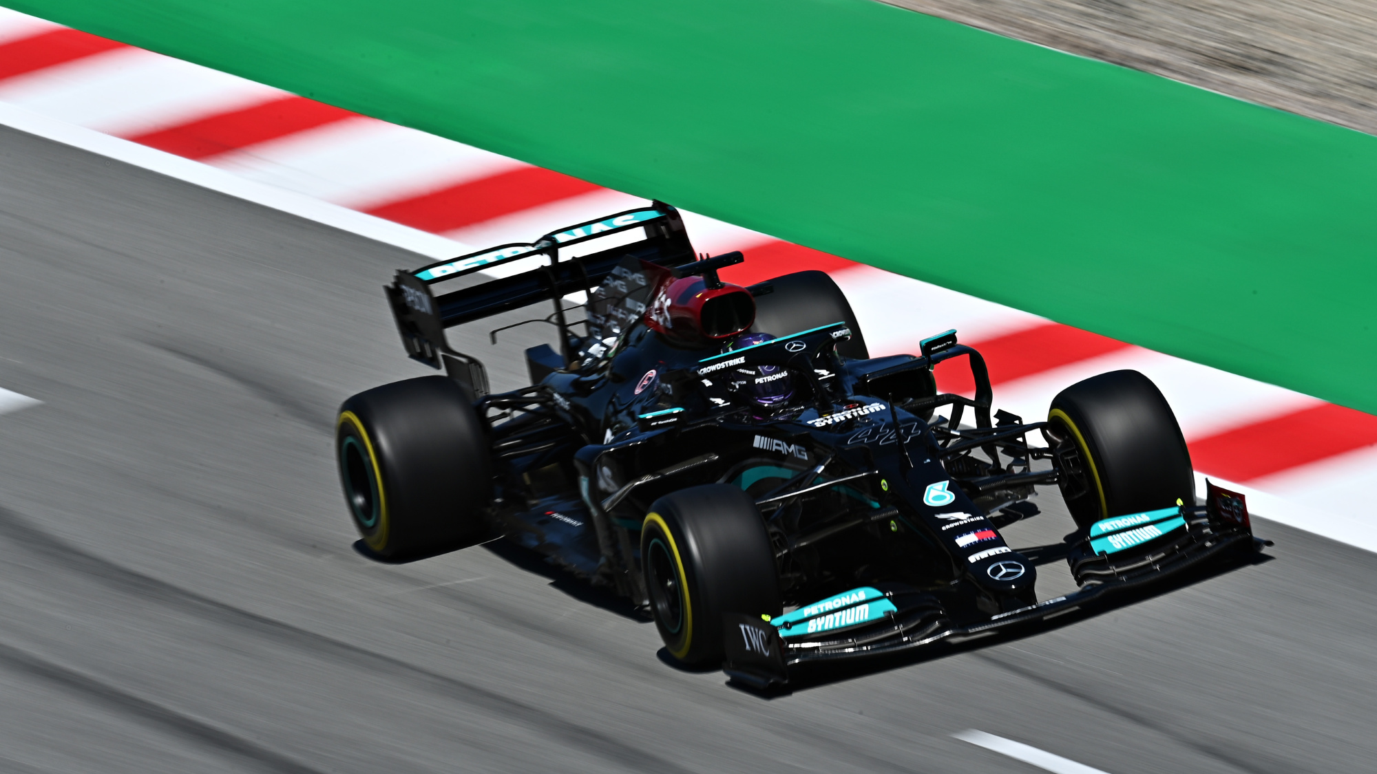 Hamilton makes history with 100th pole at 2021 Spanish GP qualifying