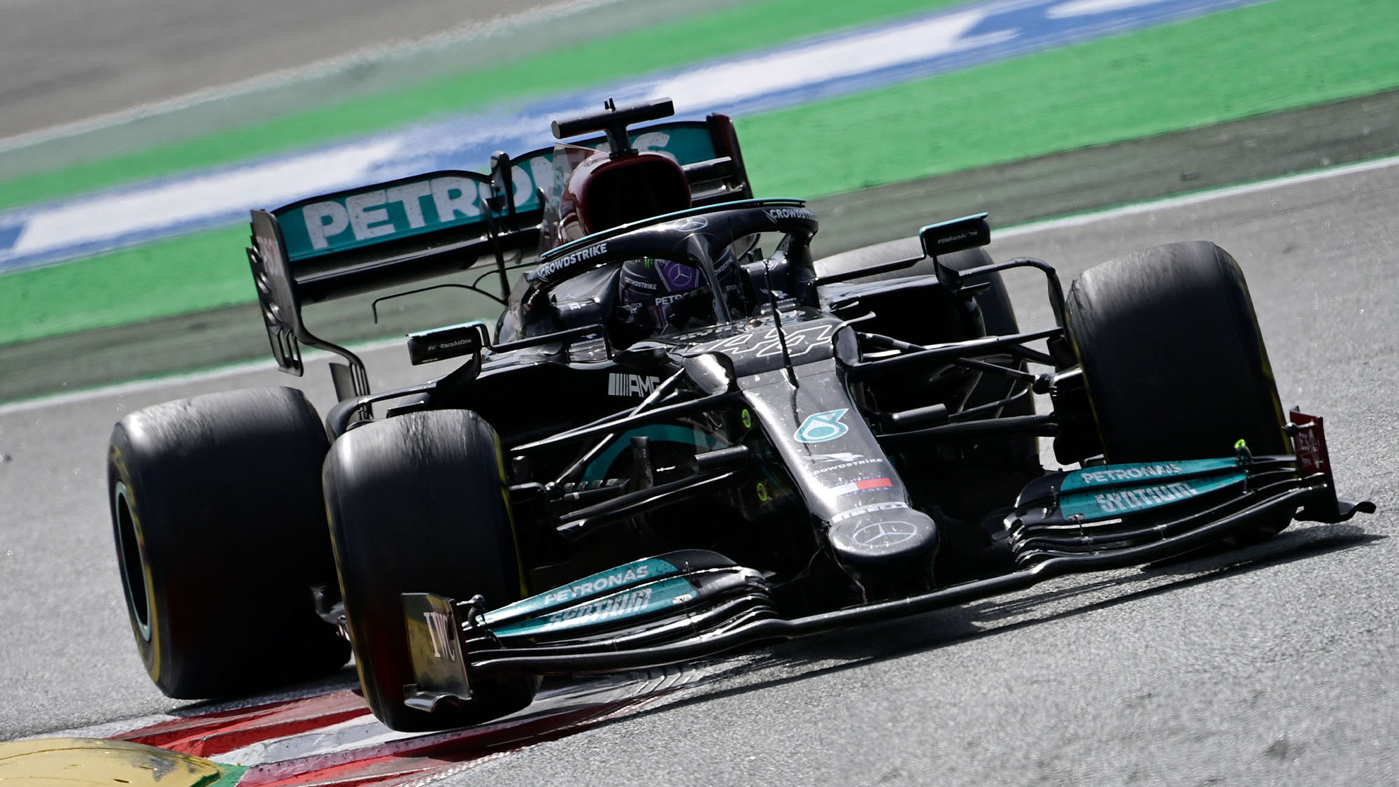 Hamilton hunts down Verstappen for victory: 2021 Spanish Grand Prix lap by lap report