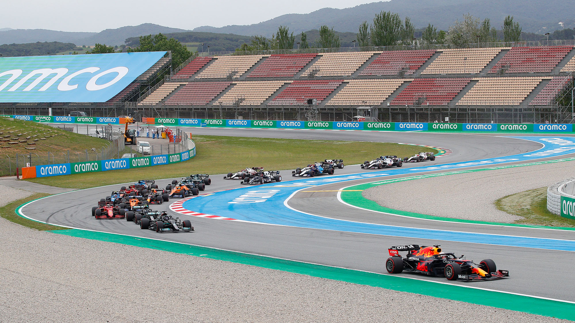 BARCELONA, SPAIN - MAY 09: Start of the Spanish GP during the F1 Grand Prix of Spain at Circuit de Barcelona-Catalunya on May 09, 2021 in Barcelona, Spain. (Photo by Eric Alonso/Getty Images)