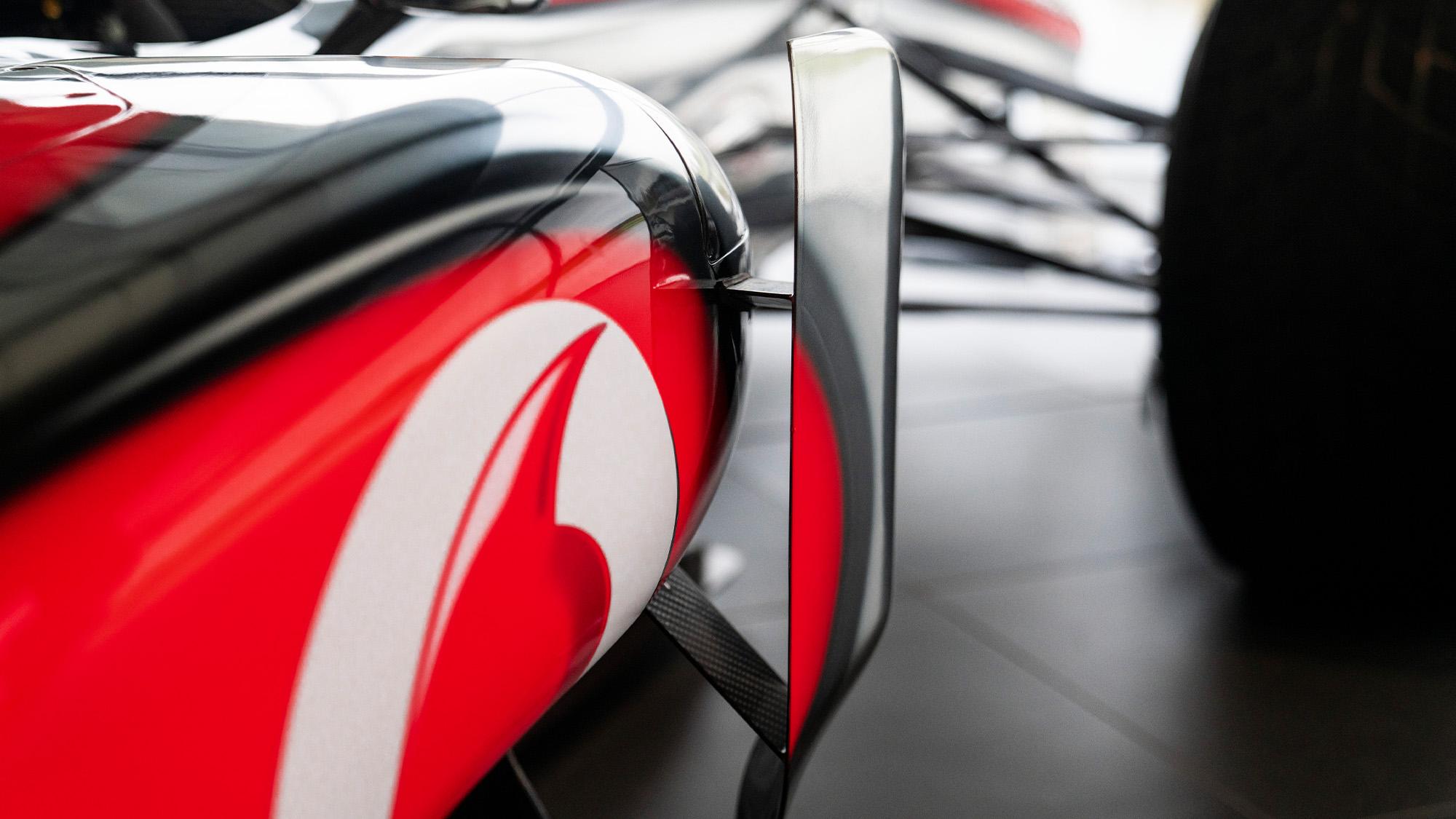 Lewis Hamilton McLaren MP4-25 for auction bargeboard detail