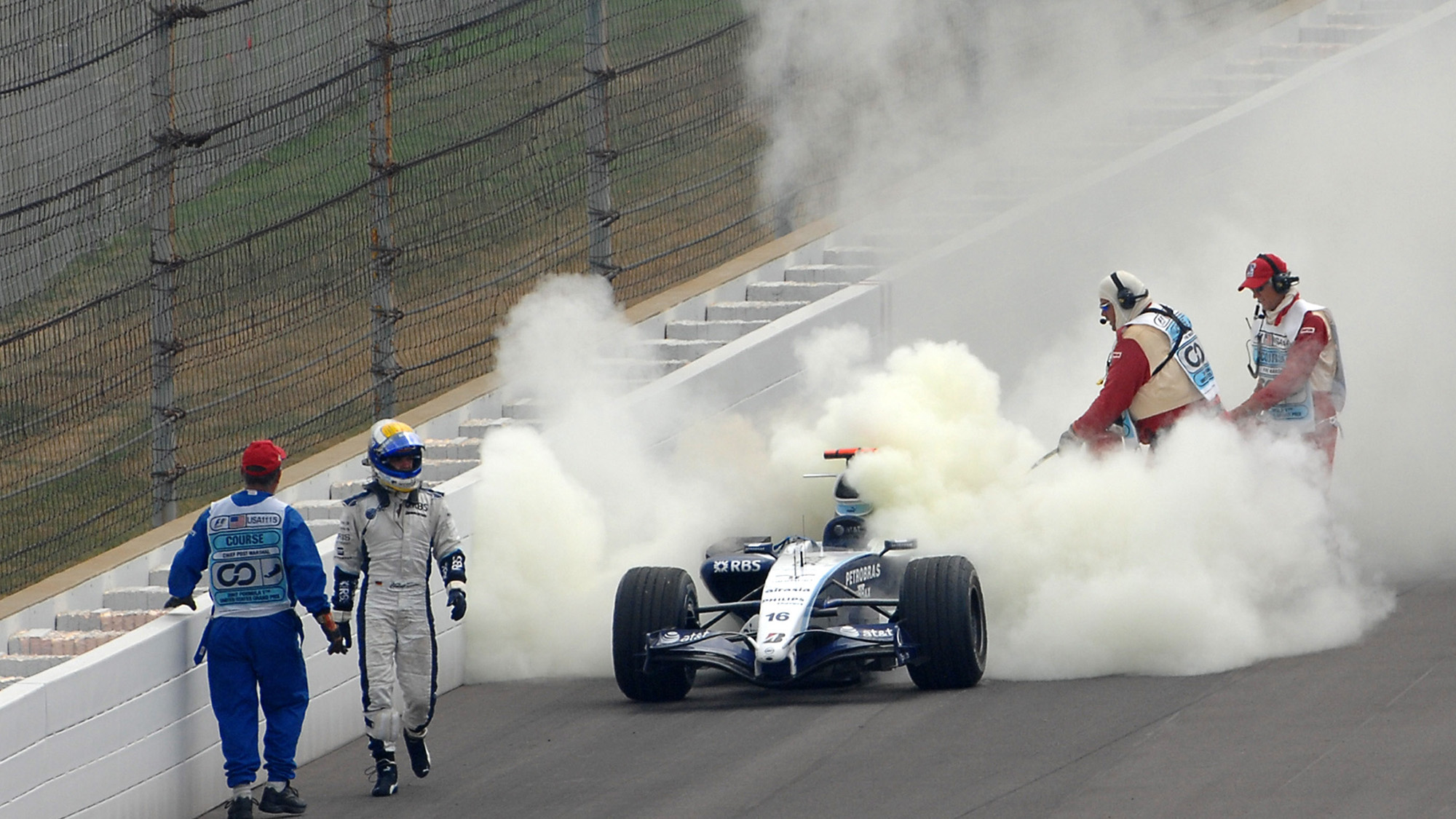 Williams of Nico Rosberg on fire at the 2007 US Grand prix