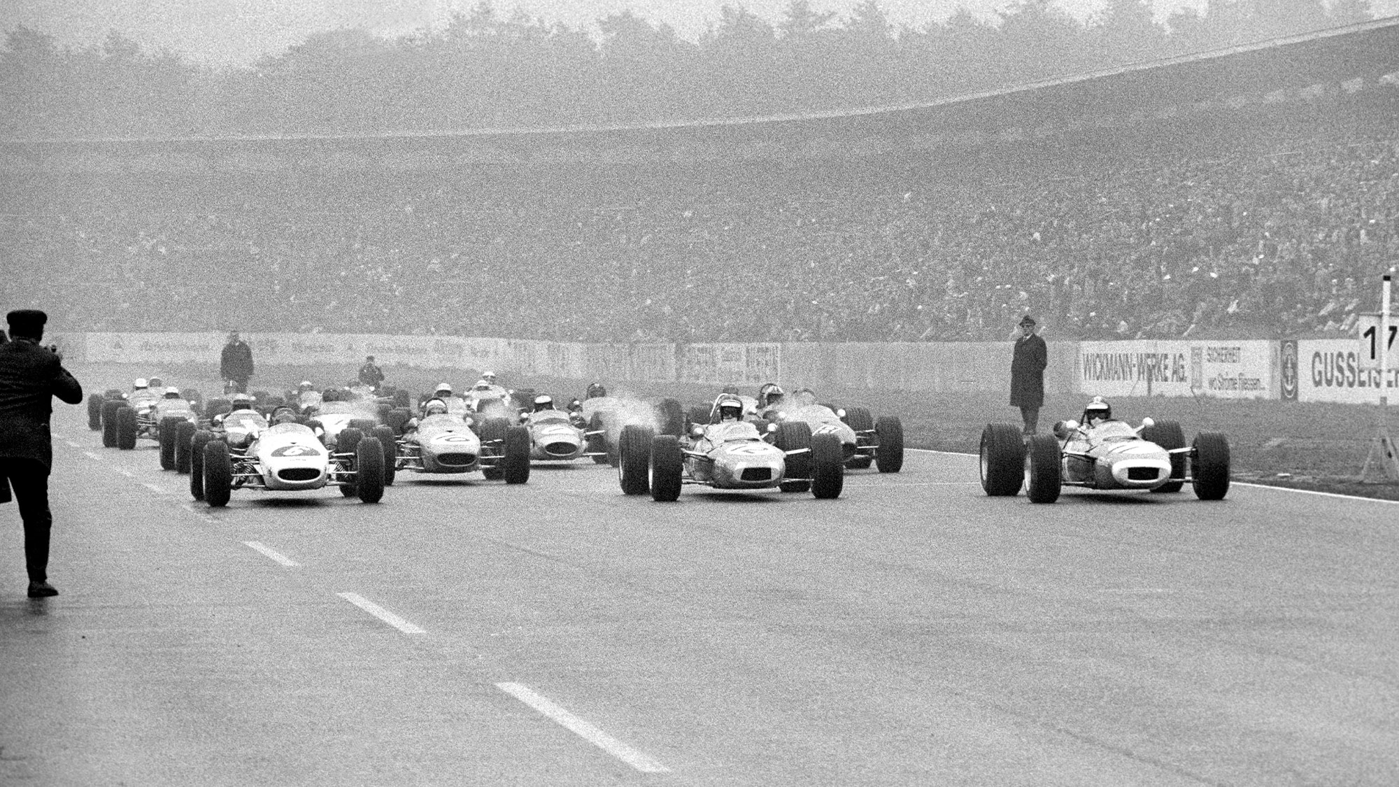 Start of the 1968 Hockenheim Formula 2 race