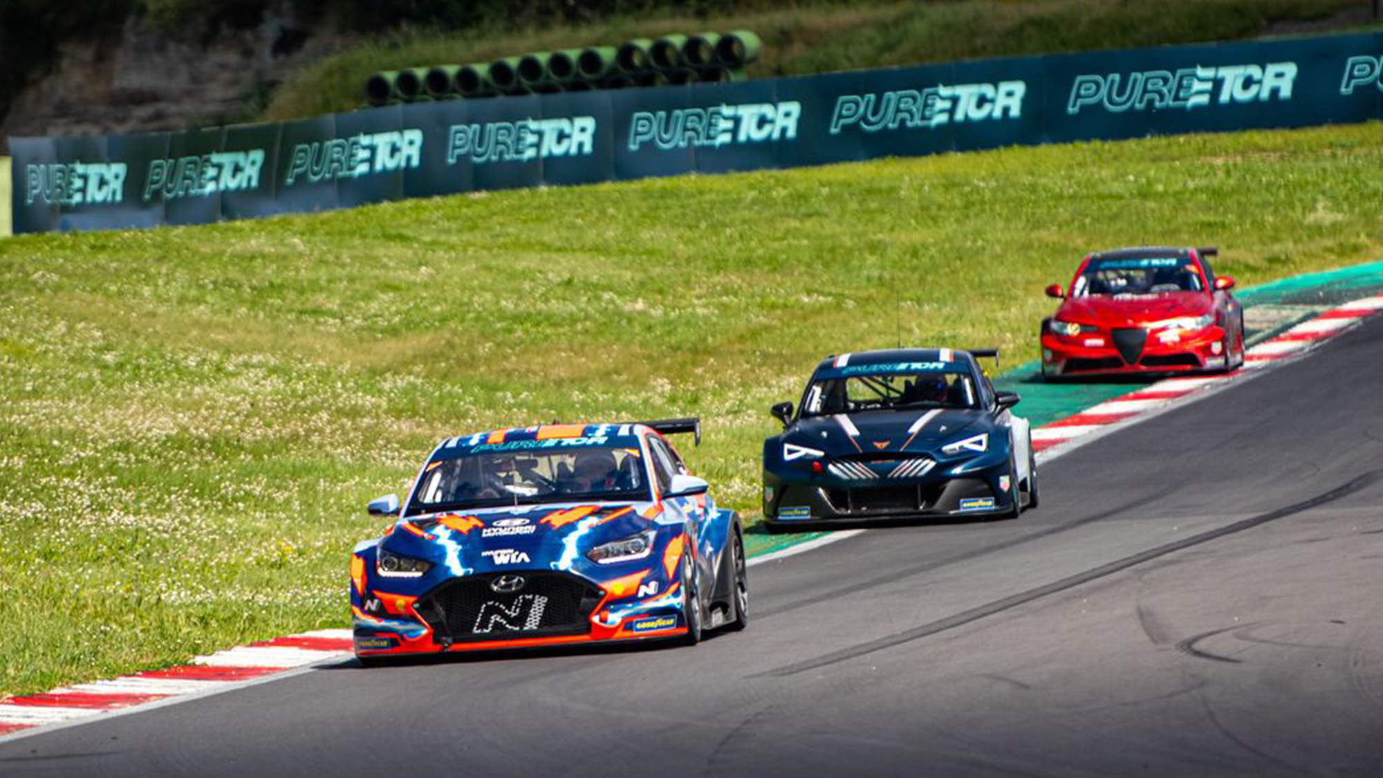 Pure ETCR cars on track