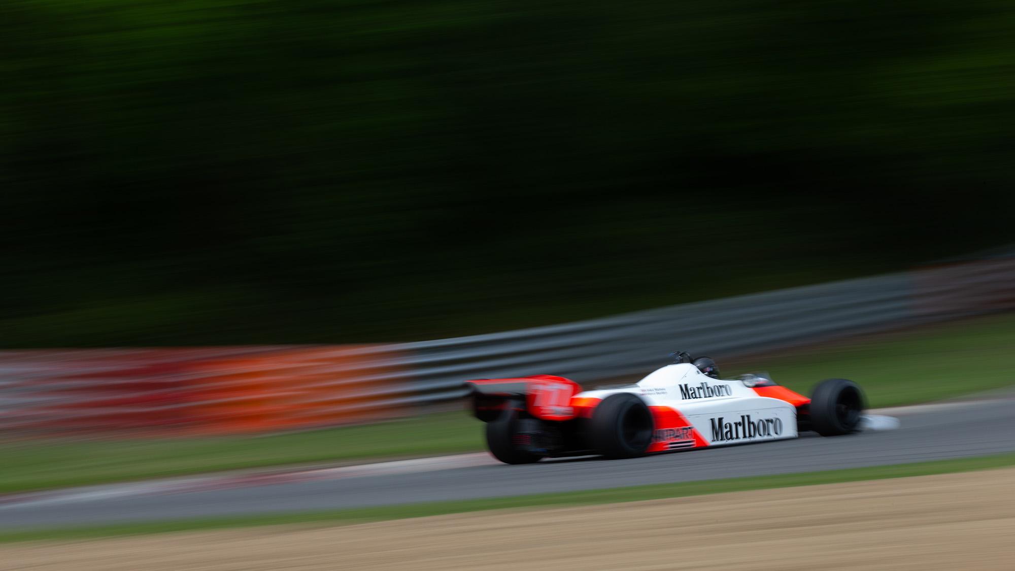 Steve Hartley McLaren MP4-1 at Brands Hatch 2021 - rear tq view