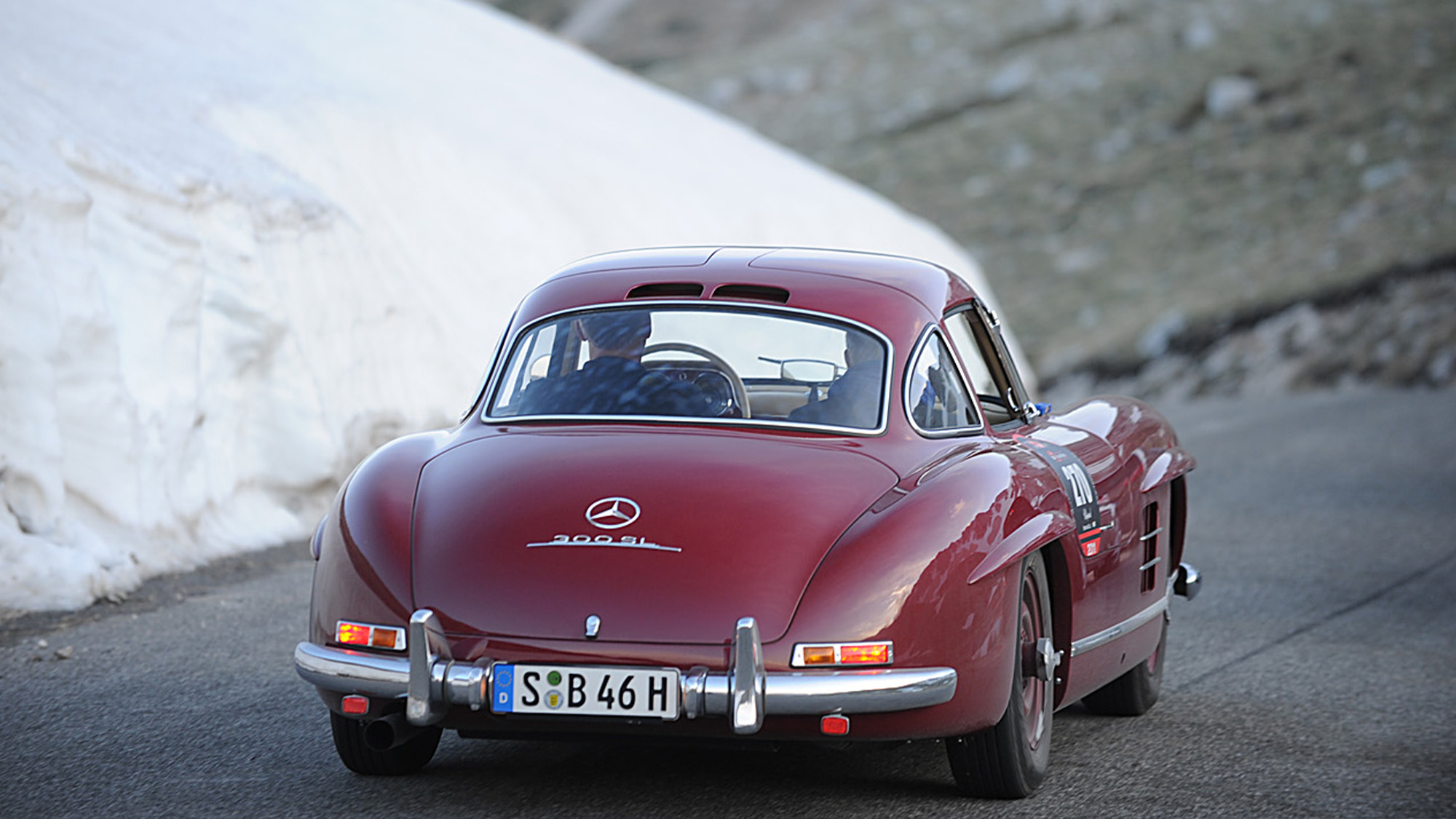 Mercedes 300 SL in snow on the 2011 Mille Miglia