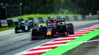 Mercedes won't develop current F1 car despite trailing in title race