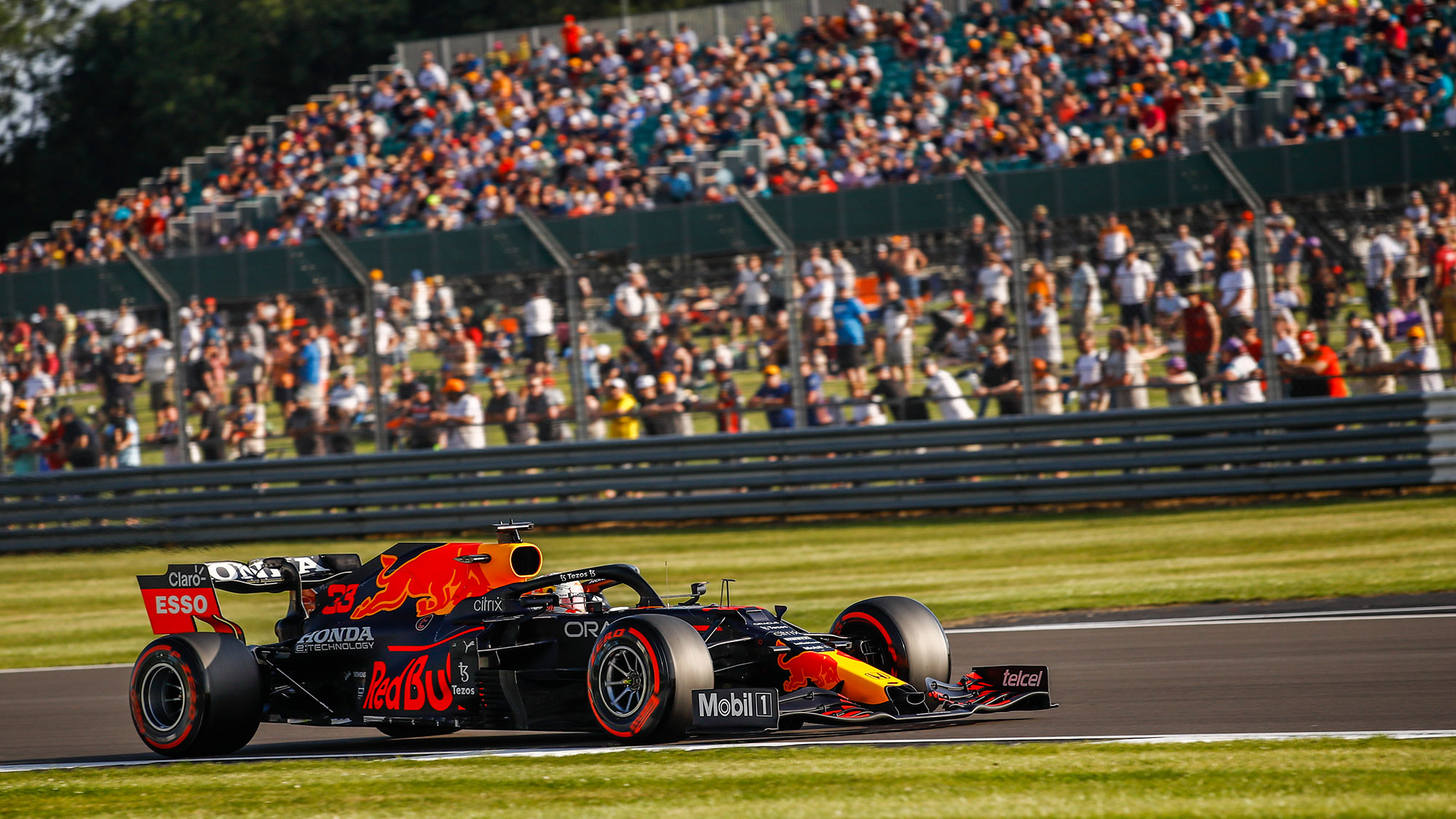 33 VERSTAPPEN Max (nld), Red Bull Racing Honda RB16B, action during the Formula 1 Pirelli British Grand Prix 2021, 10th round of the 2021 FIA Formula One World Championship from July 16 to 18, 2021 on the Silverstone Circuit, in Silverstone, United Kingdom - Photo Xavi Bonilla / DPPI