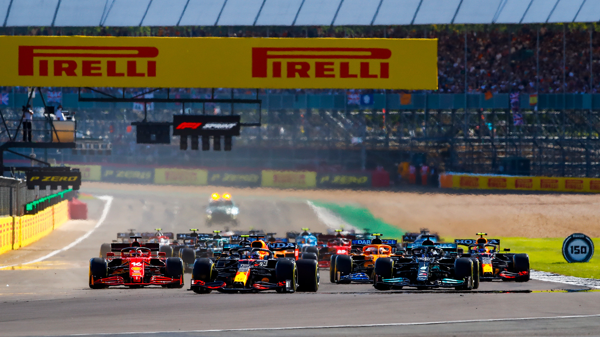 Start of the qualifying sprint race for the 2021 British Grand Prix