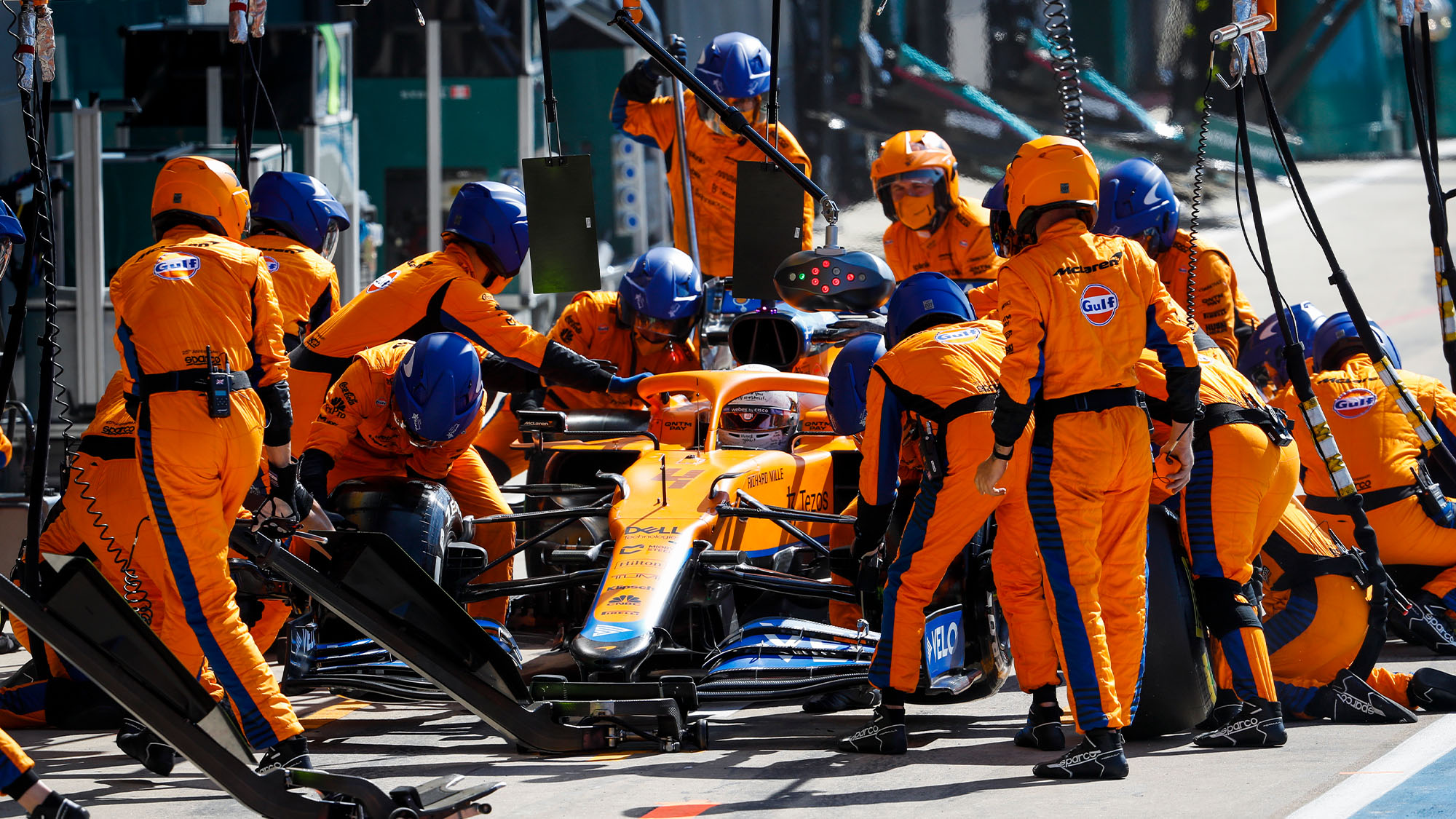 Slow stop for 04 NORRIS Lando (gbr), McLaren MCL35M, action during the Formula 1 Pirelli British Grand Prix 2021, 10th round of the 2021 FIA Formula One World Championship from July 16 to 18, 2021 on the Silverstone Circuit, in Silverstone, United Kingdom - Photo Antonin Vincent / DPPI