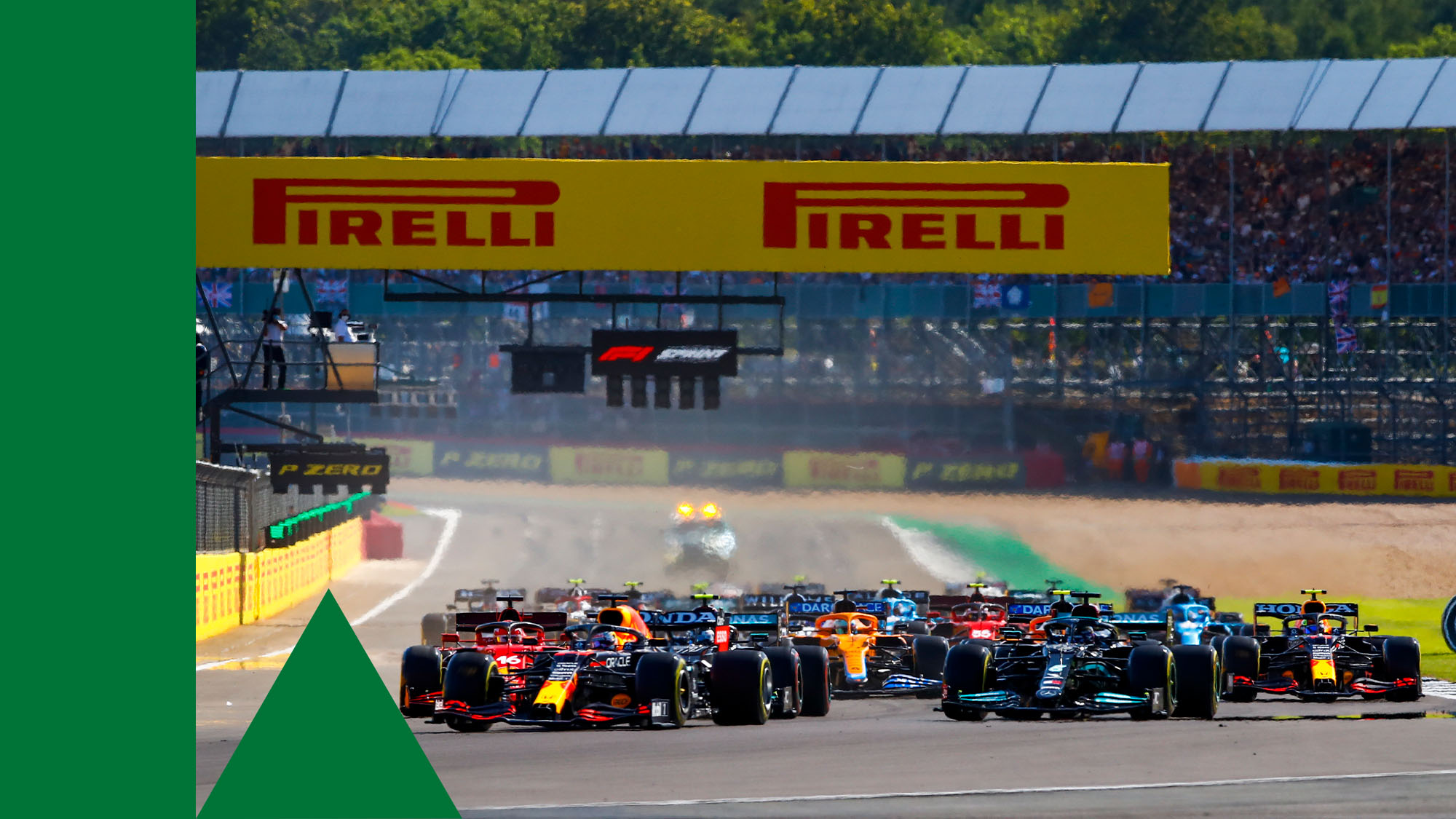 44 HAMILTON Lewis (gbr), Mercedes AMG F1 GP W12 E Performance, 33 VERSTAPPEN Max (nld), Red Bull Racing Honda RB16B, action, sprint race during the Formula 1 Pirelli British Grand Prix 2021, 10th round of the 2021 FIA Formula One World Championship from July 16 to 18, 2021 on the Silverstone Circuit, in Silverstone, United Kingdom - Photo Xavi Bonilla / DPPI