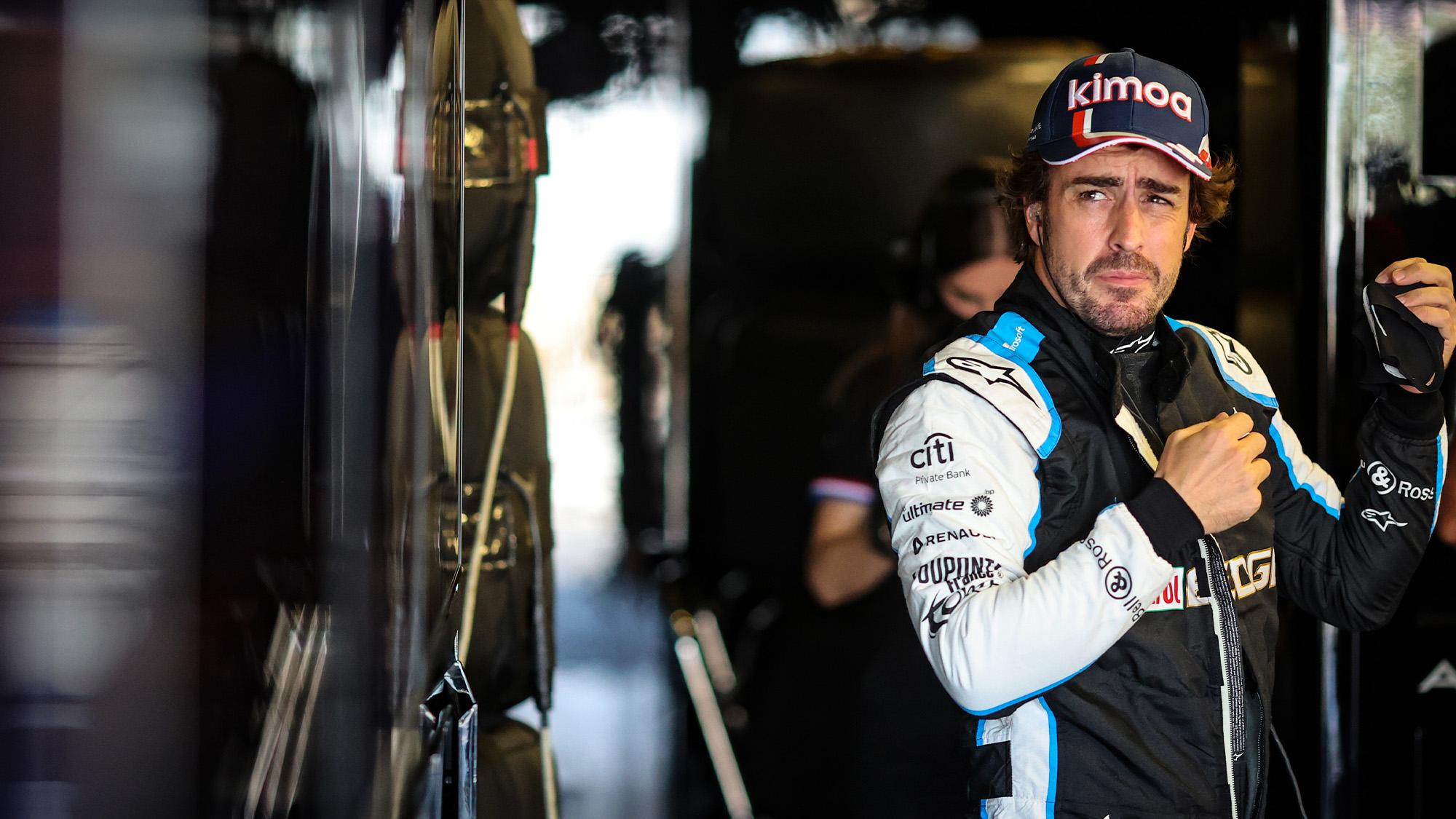 Fernando Alonso in the Alpine garage in 2021