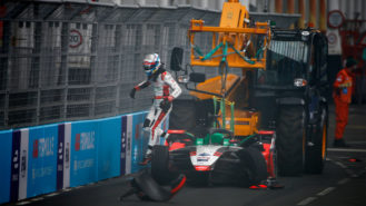 Drivers call for track changes to 'shuntfest' London E-Prix