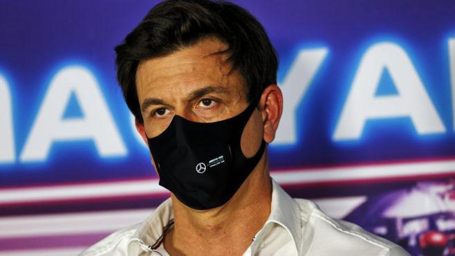 Wolff: Red Bull overstepped line following Verstappen/Hamilton crash